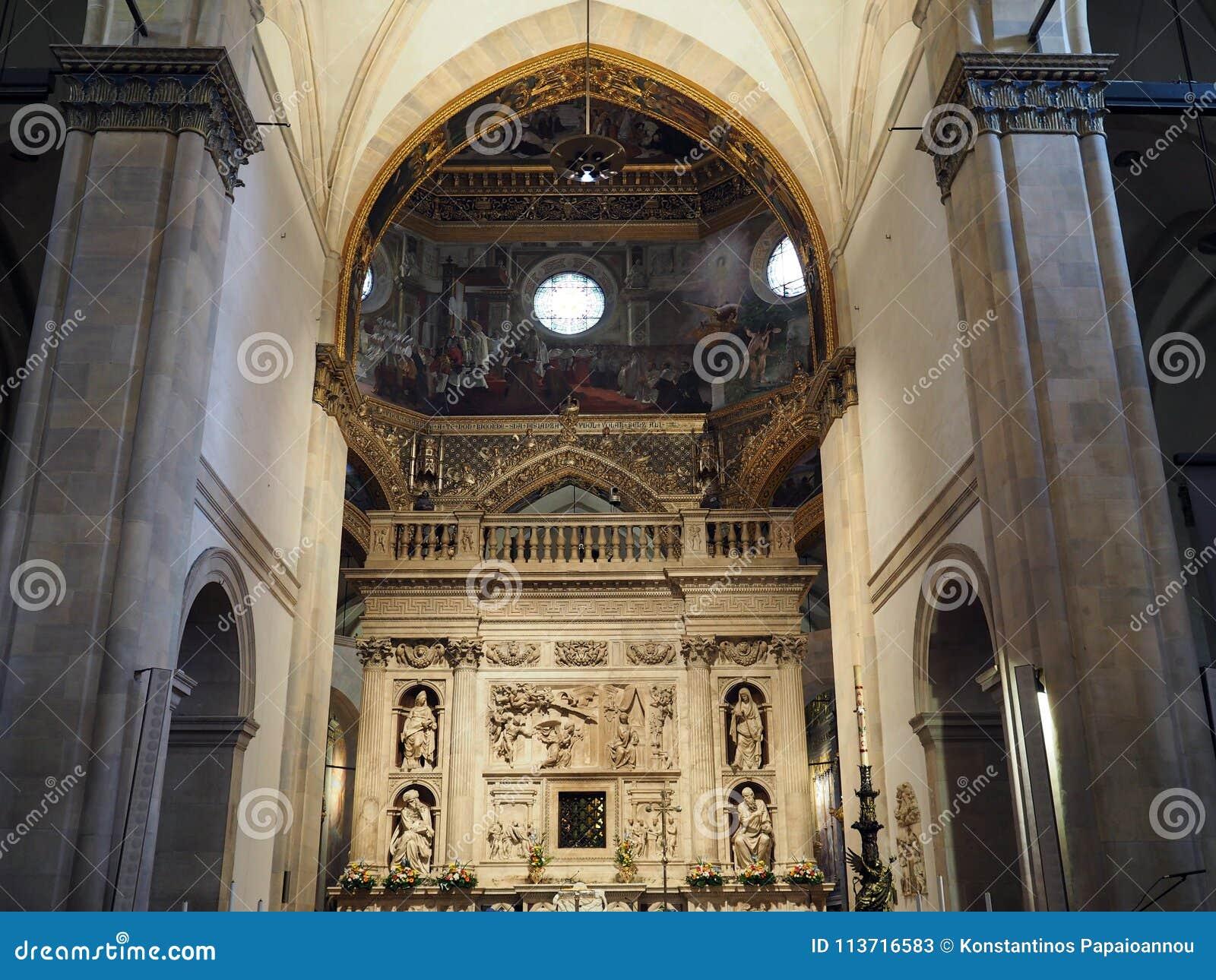 La basílica del santuario de la casa santa de Loreto en el AIE