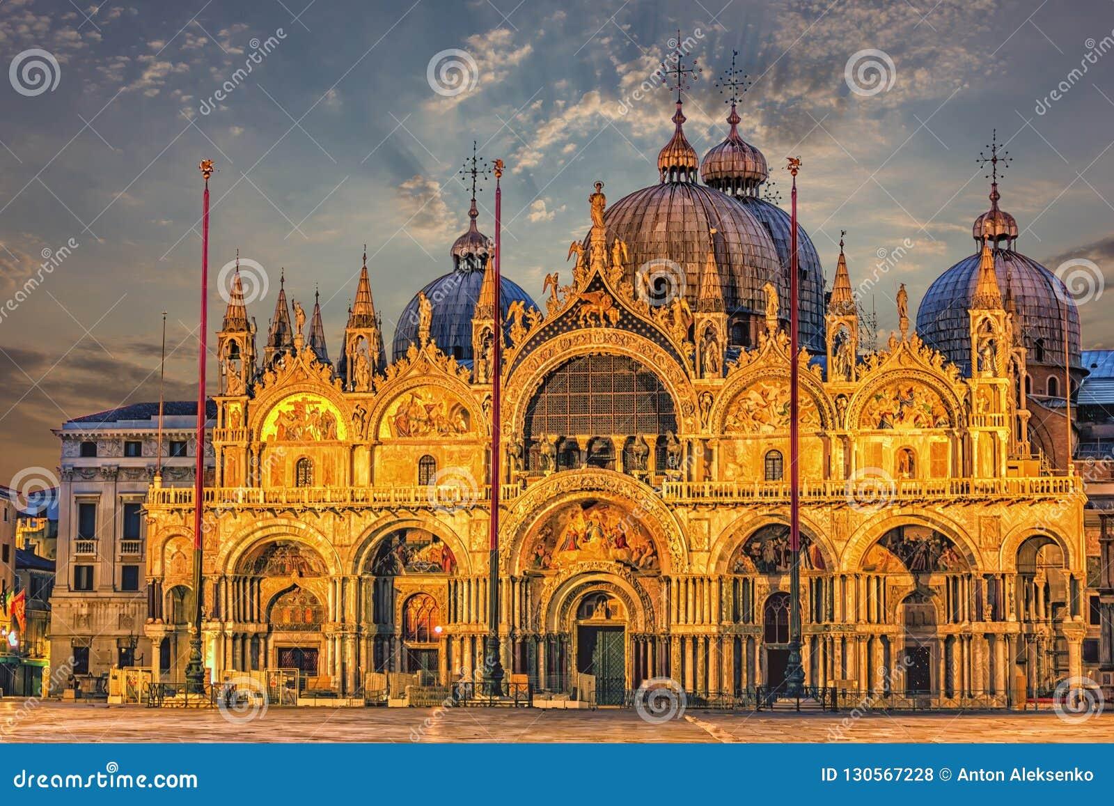 La basilica patriarcale della cattedrale di St Mark a Venezia, Italia