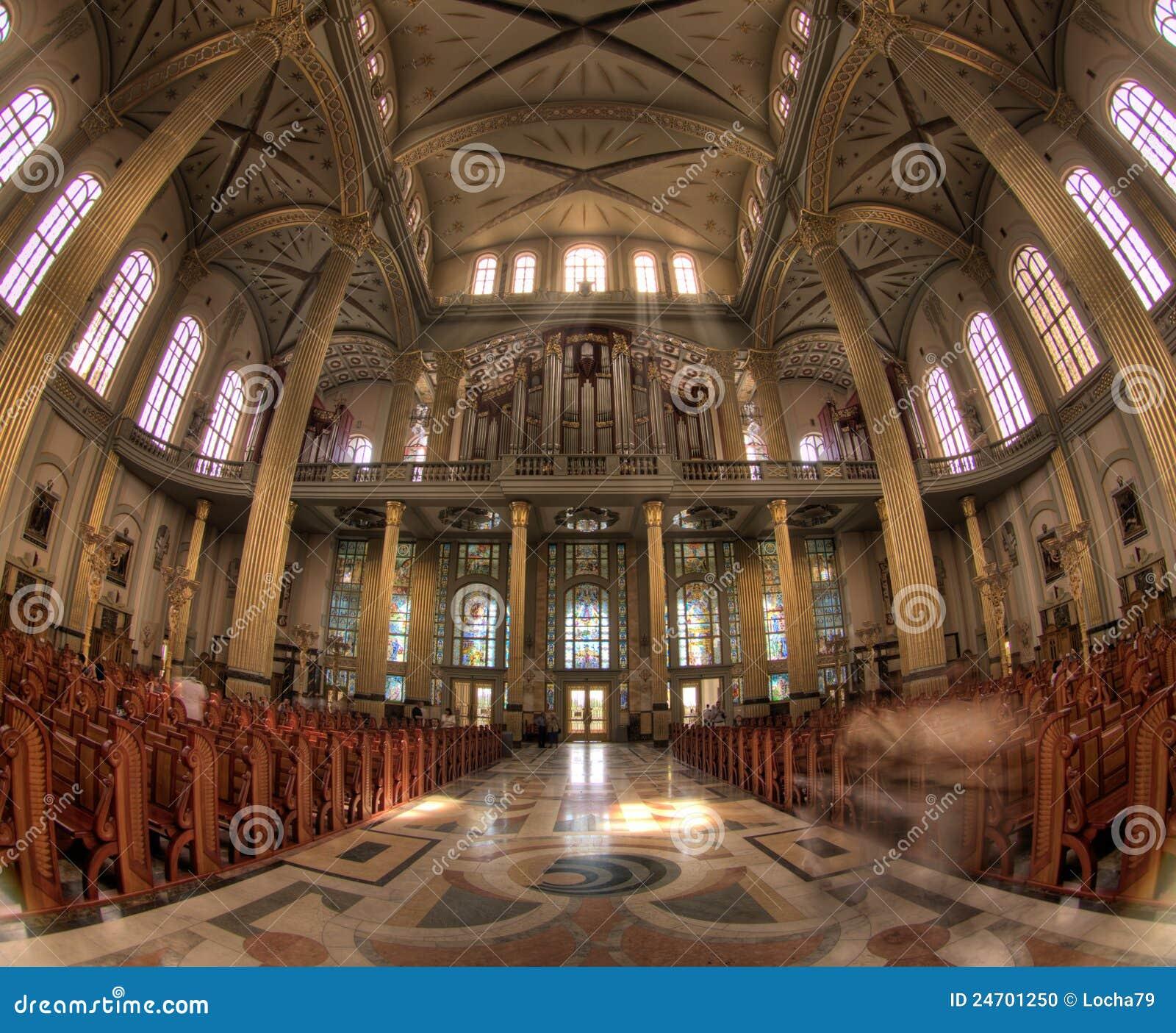 La basilique de notre Madame de lichen