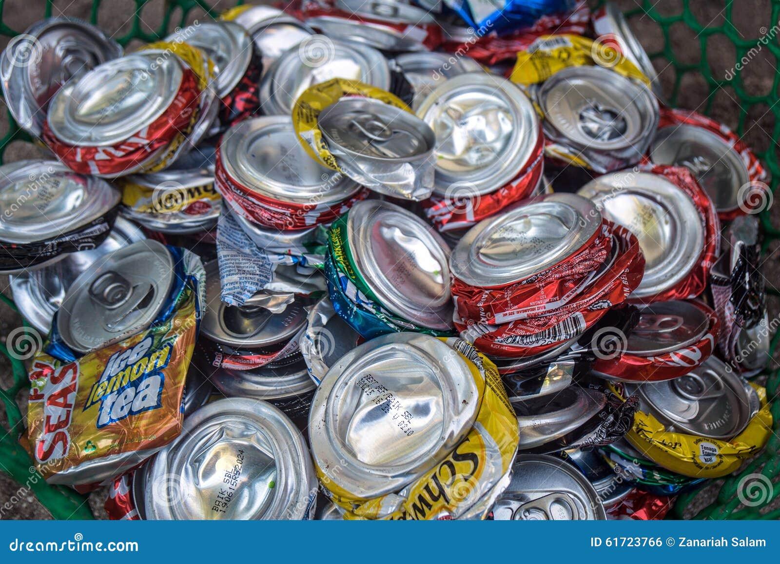 La basura aplanada puede aluminio