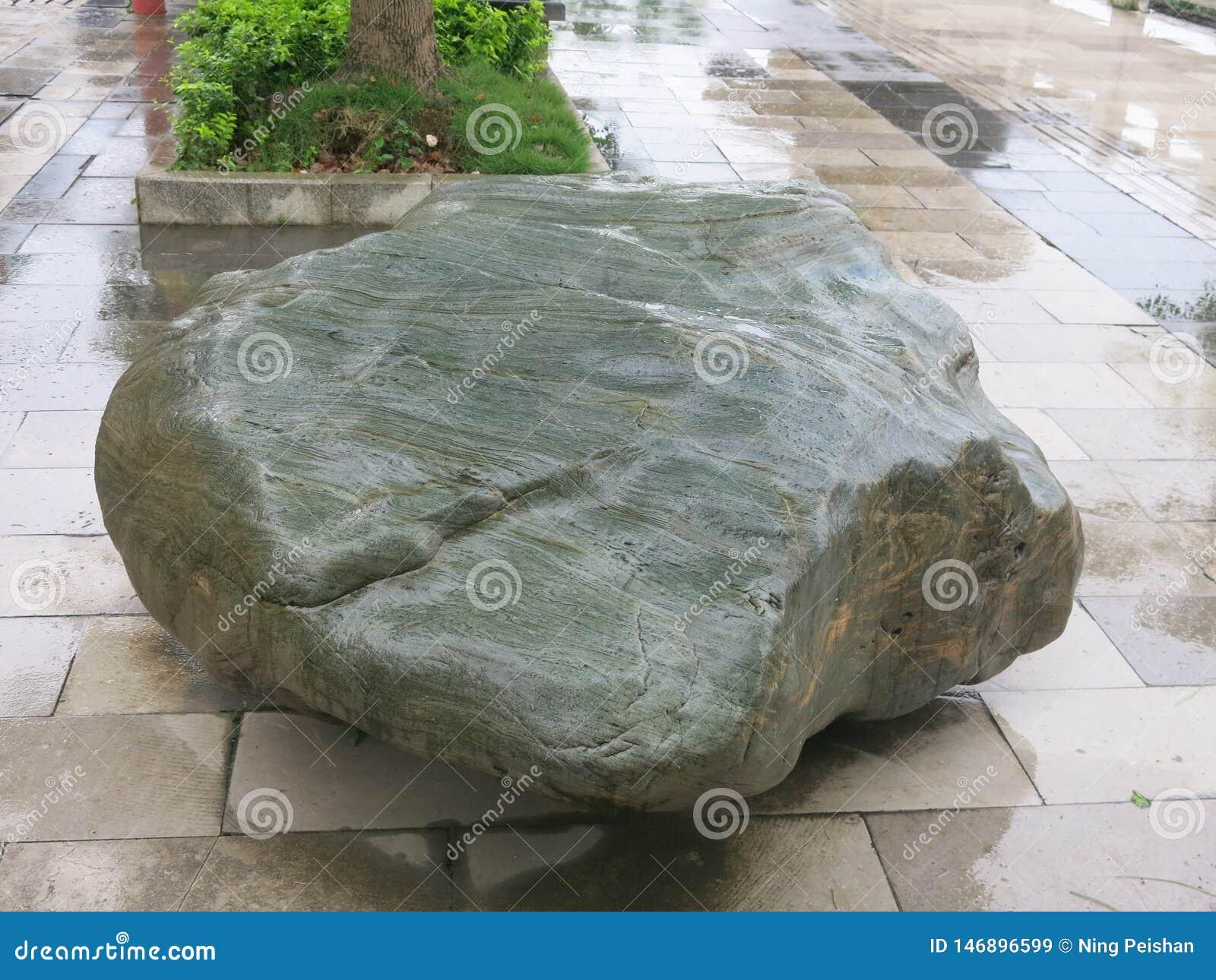 La bella pietra, ha lavato liscio dall acqua
