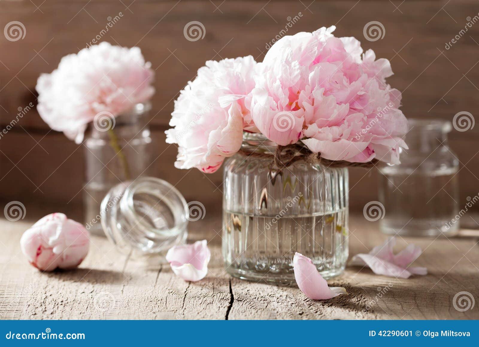 La Belle Pivoine Rose Fleurit Le Bouquet Dans Le Vase