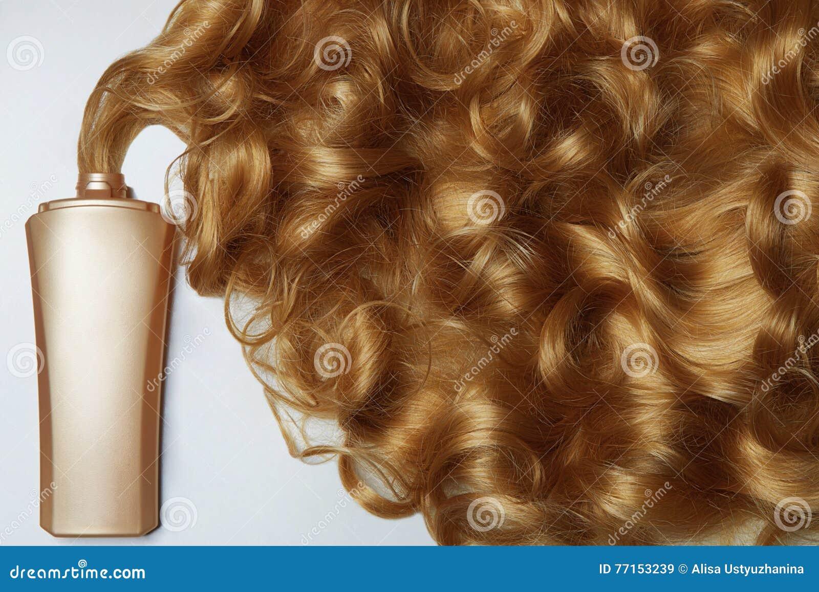La belle vie de cheveux toujours blonds