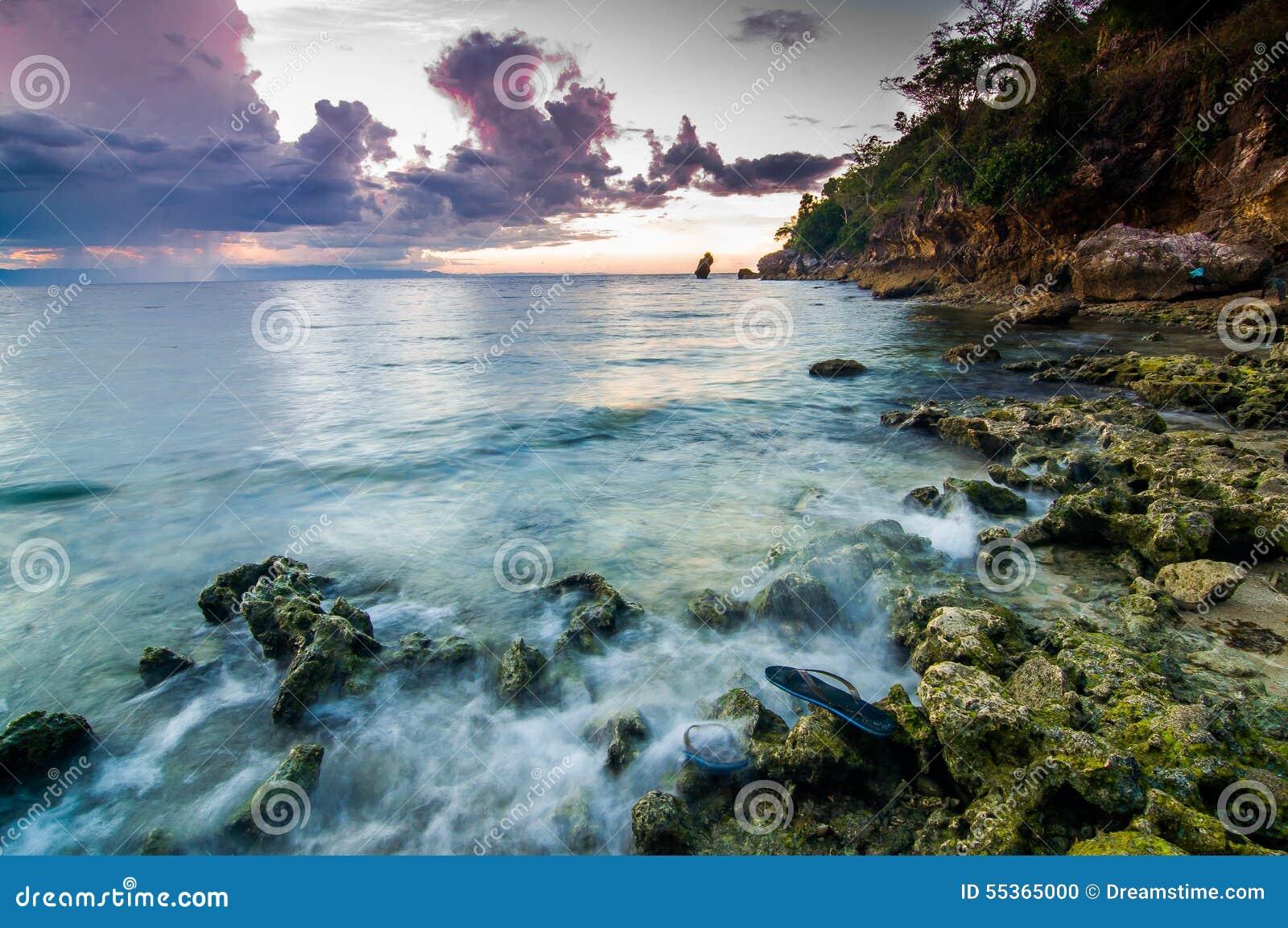 La bellezza astratta delle onde di pomeriggio