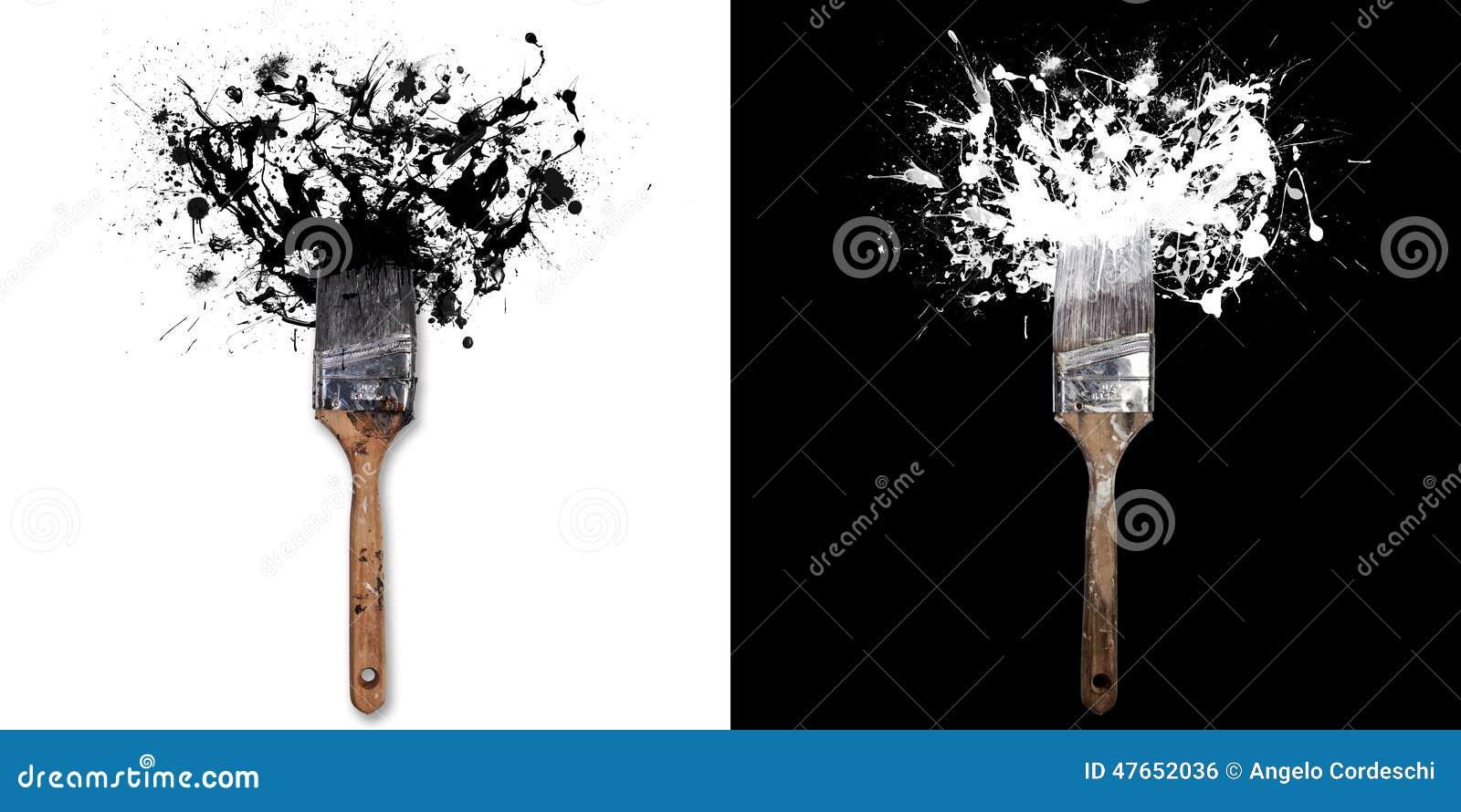 La brosse avec éclabousse de blanc/d à l encre noire Sur le fond blanc/noir