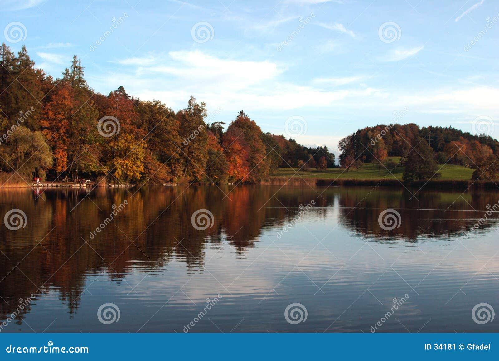 Download La caída colorea I imagen de archivo. Imagen de árbol, lago - 34181
