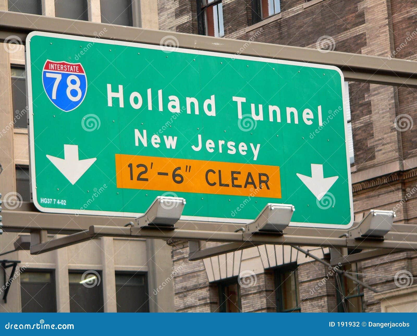 La calle del túnel de Holanda firma adentro Manhattan, New York City