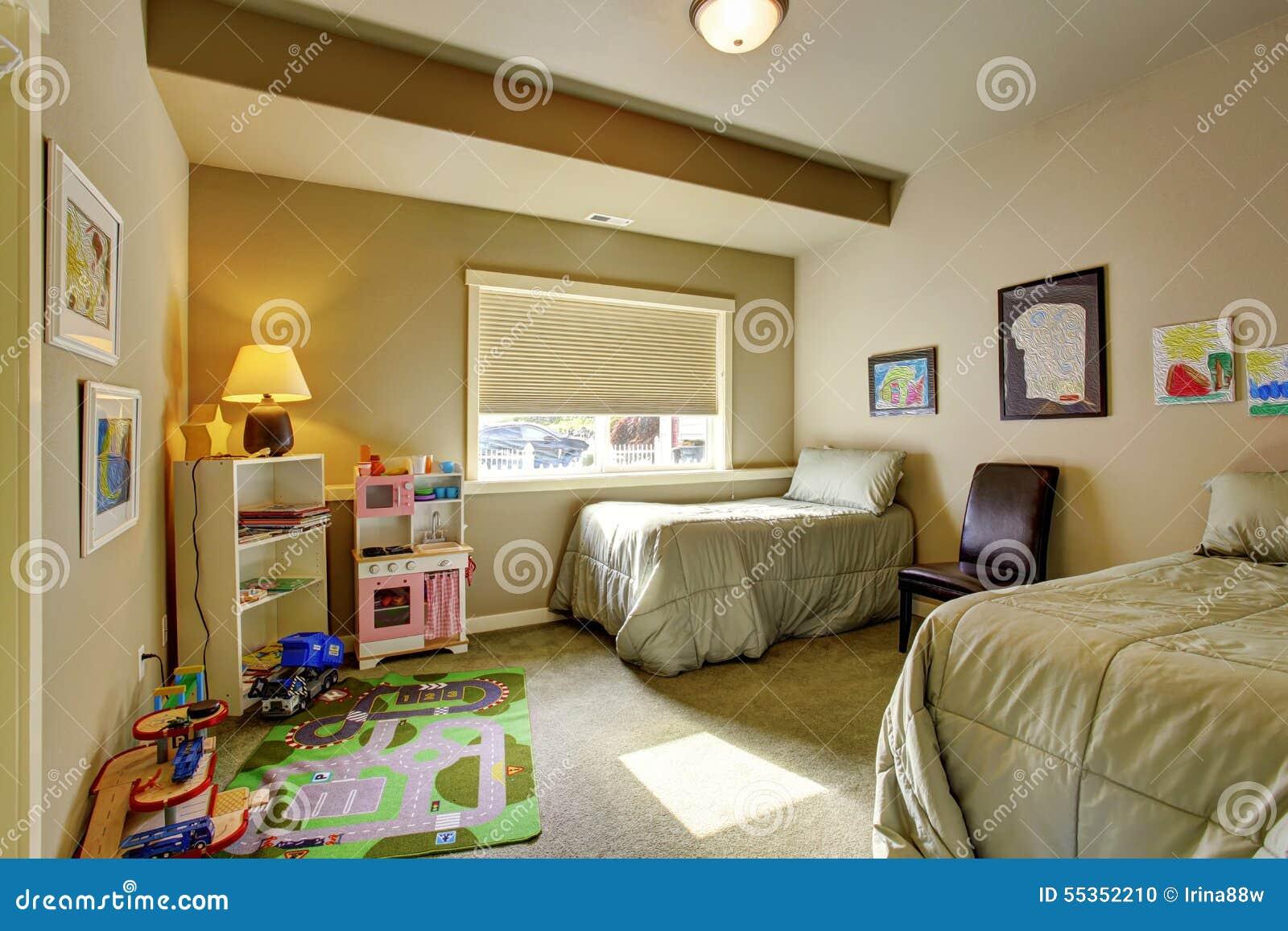 La camera da letto di Childerns con la finestra