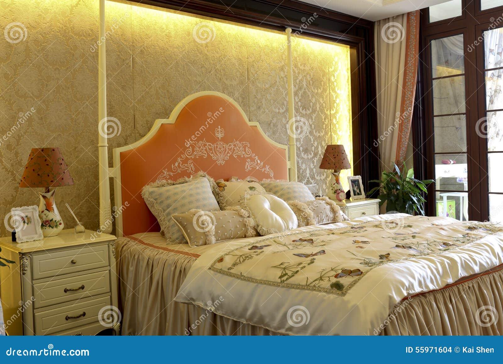 La camera da letto vivace della famiglia di colore decora - Decora la stanza ...