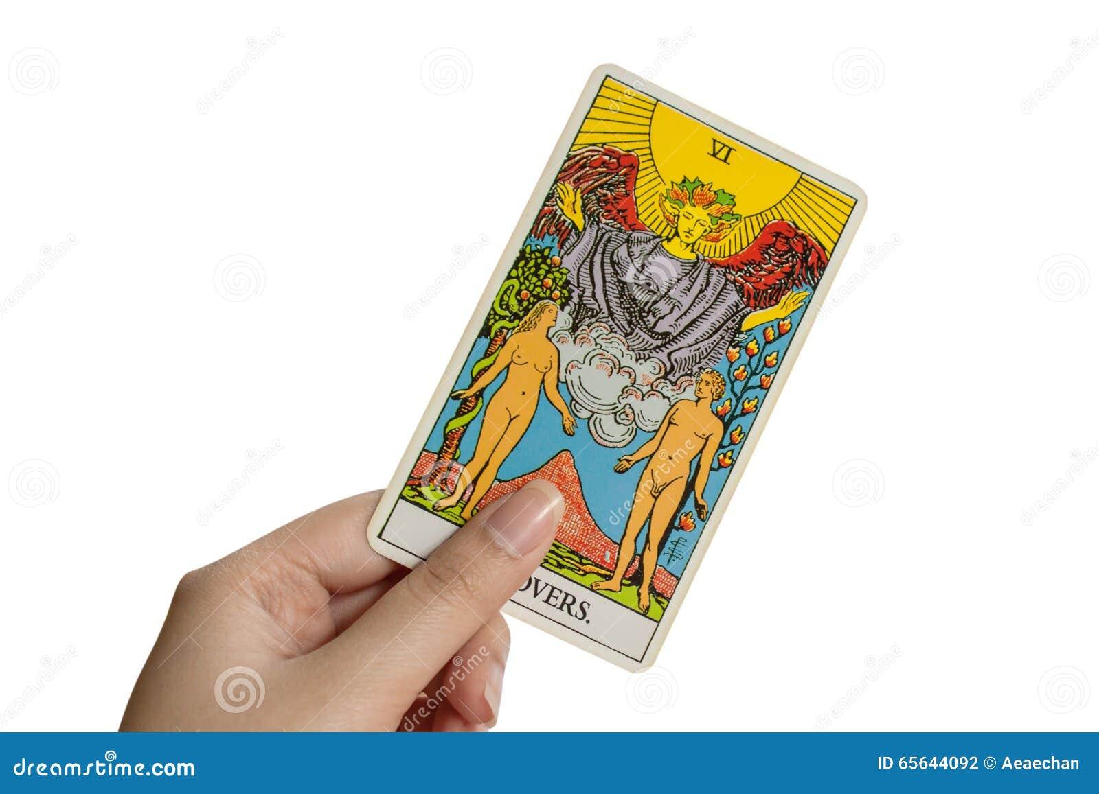 La carte de tarot d amants sur le fond blanc