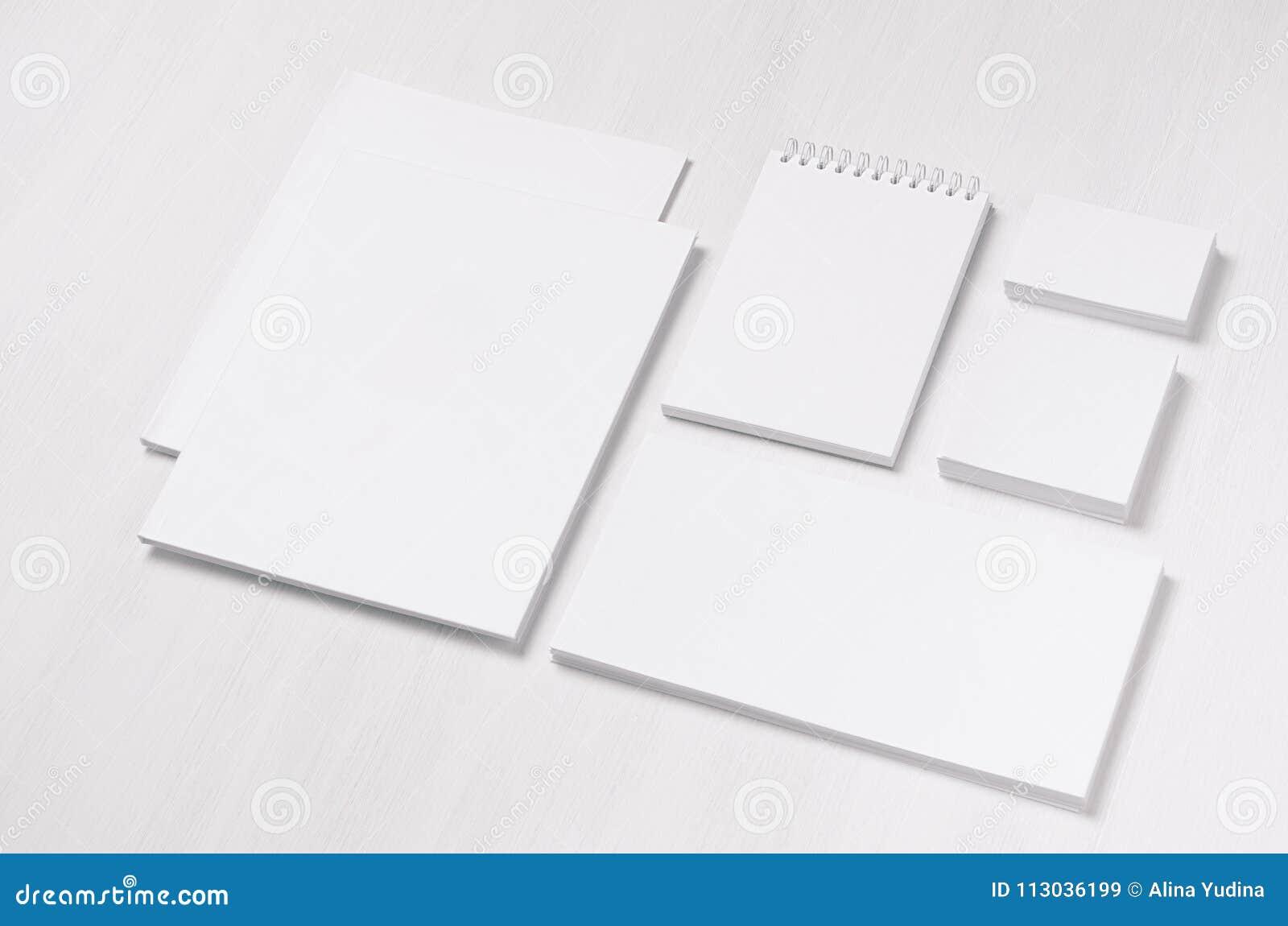 La Carte De Visite Professionnelle Vierge Blanche Enveloppe En Tete