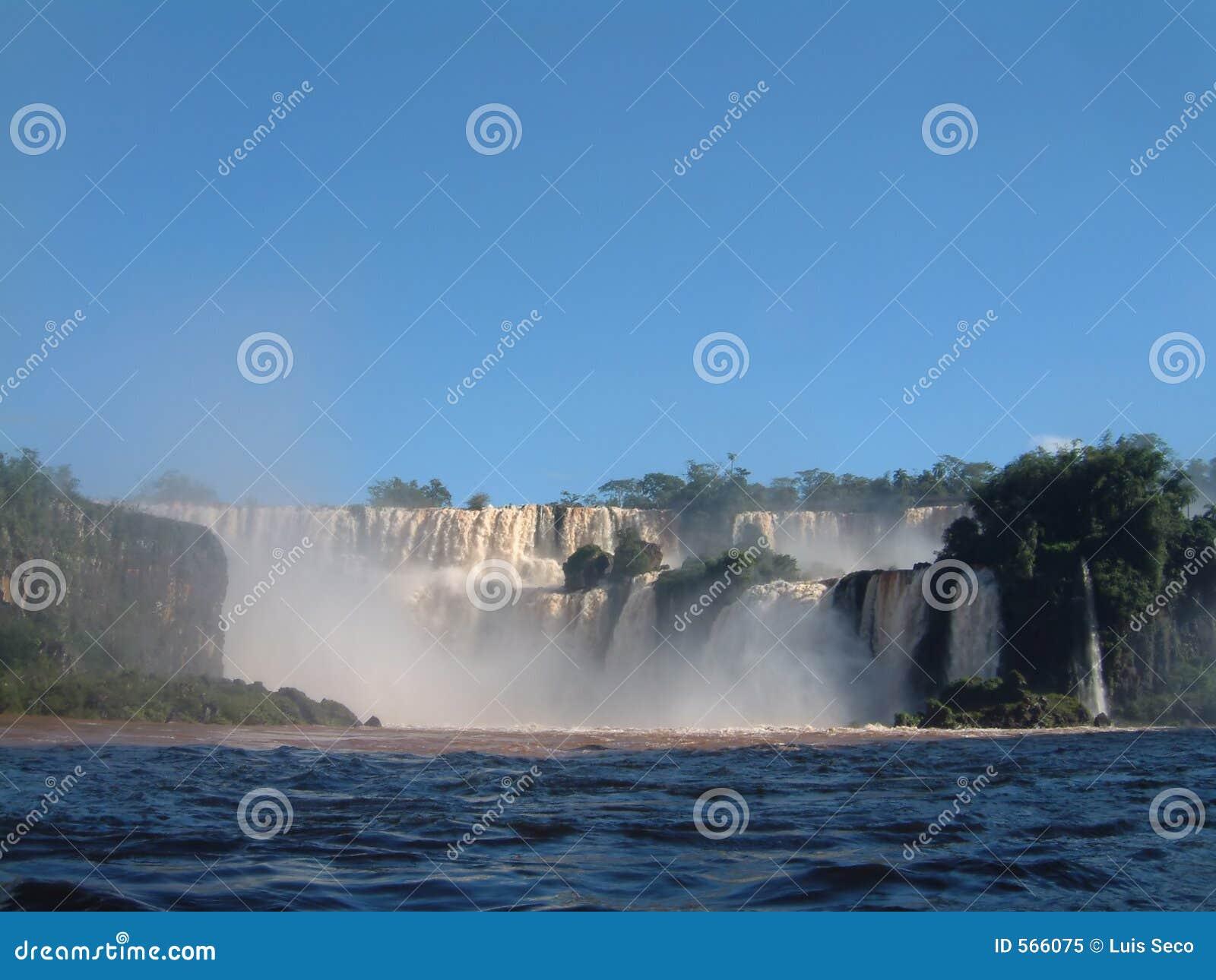 La cascade à écriture ligne par ligne d Iguazu