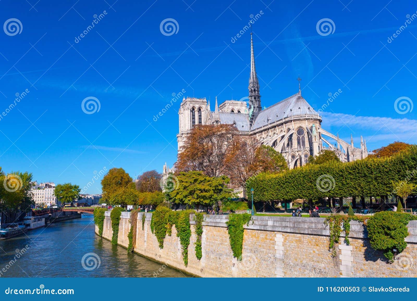 La cattedrale del Notre Dame de Paris, Francia