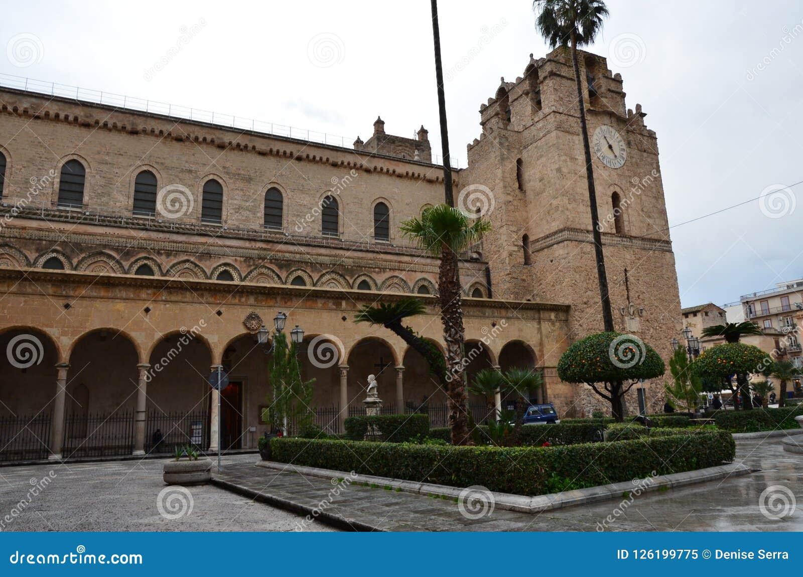 La cattedrale di monreale, vicino a Palermo