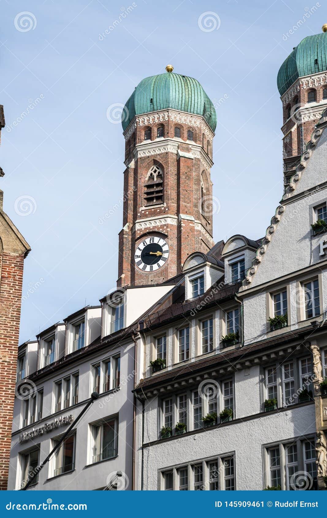 La cattedrale famosa di Monaco di Baviera, inoltre ha chiamato Cathedral della nostra cara signora, Monaco di Baviera