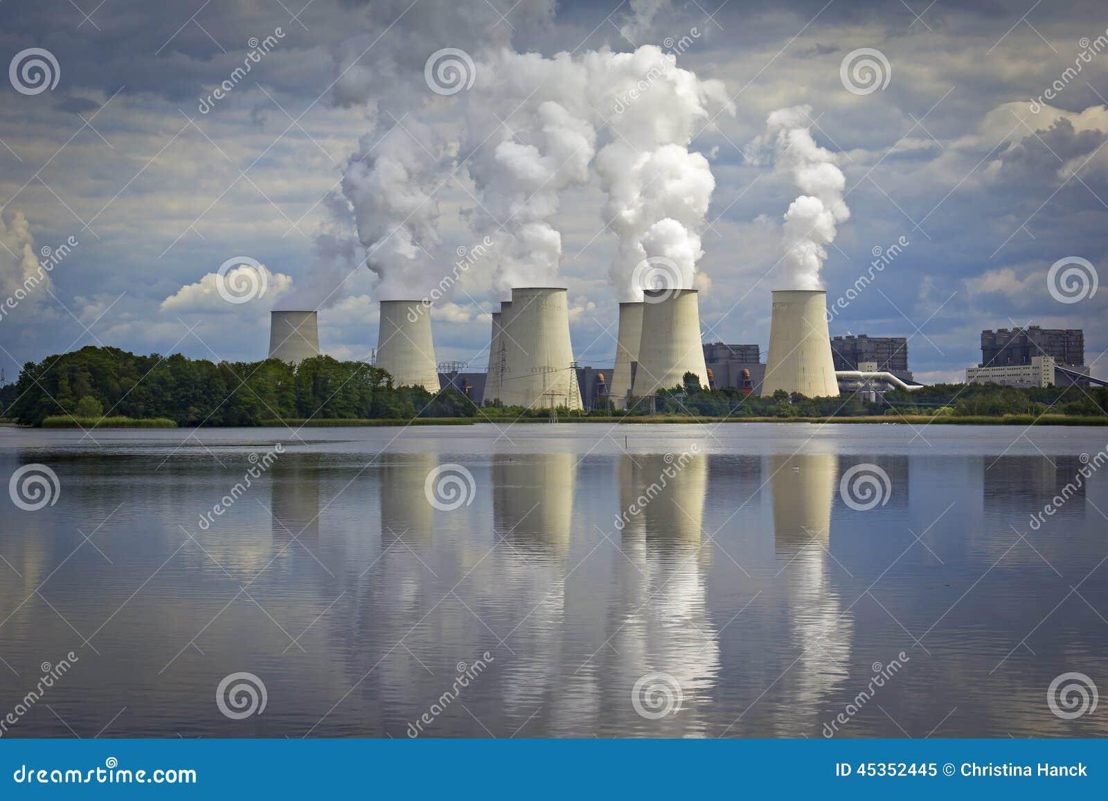 La centrale à charbon, Kraftwerk AM voient