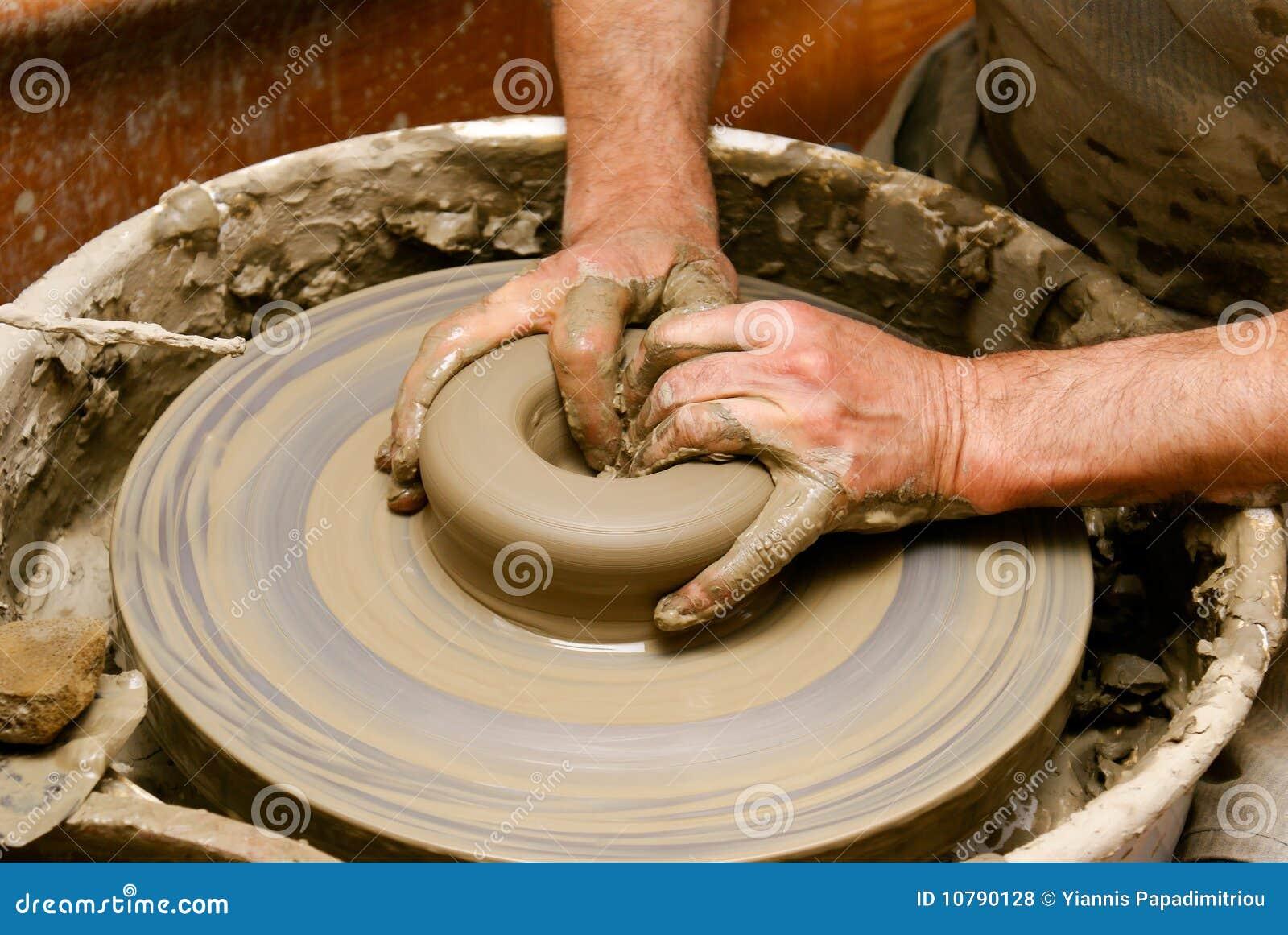 La cerámica handcraft el primer en la luz del Griego de la tarde
