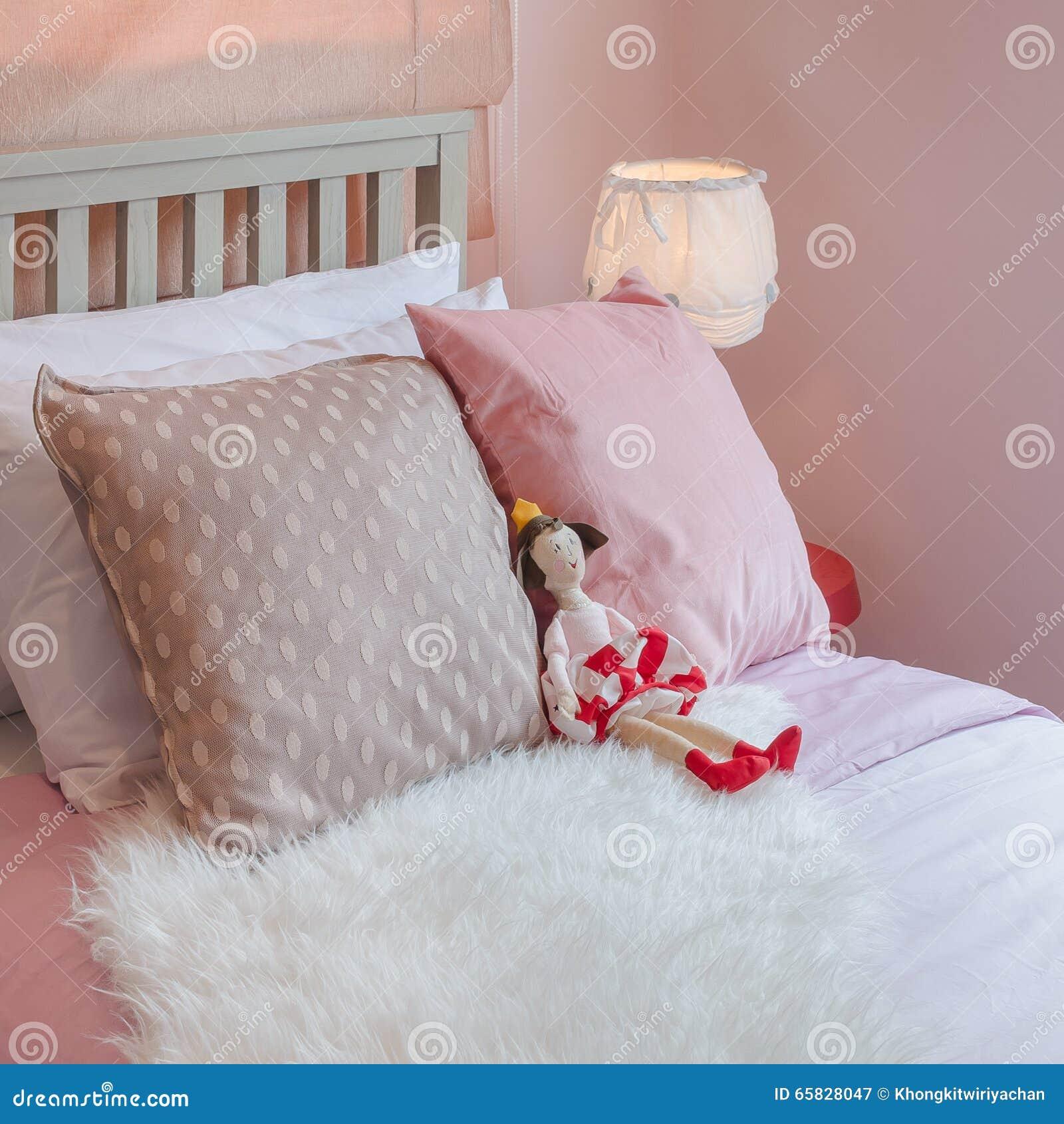 Rose Avec Ton Dans Chambre Fille Couleur À La Coucher Le De ...