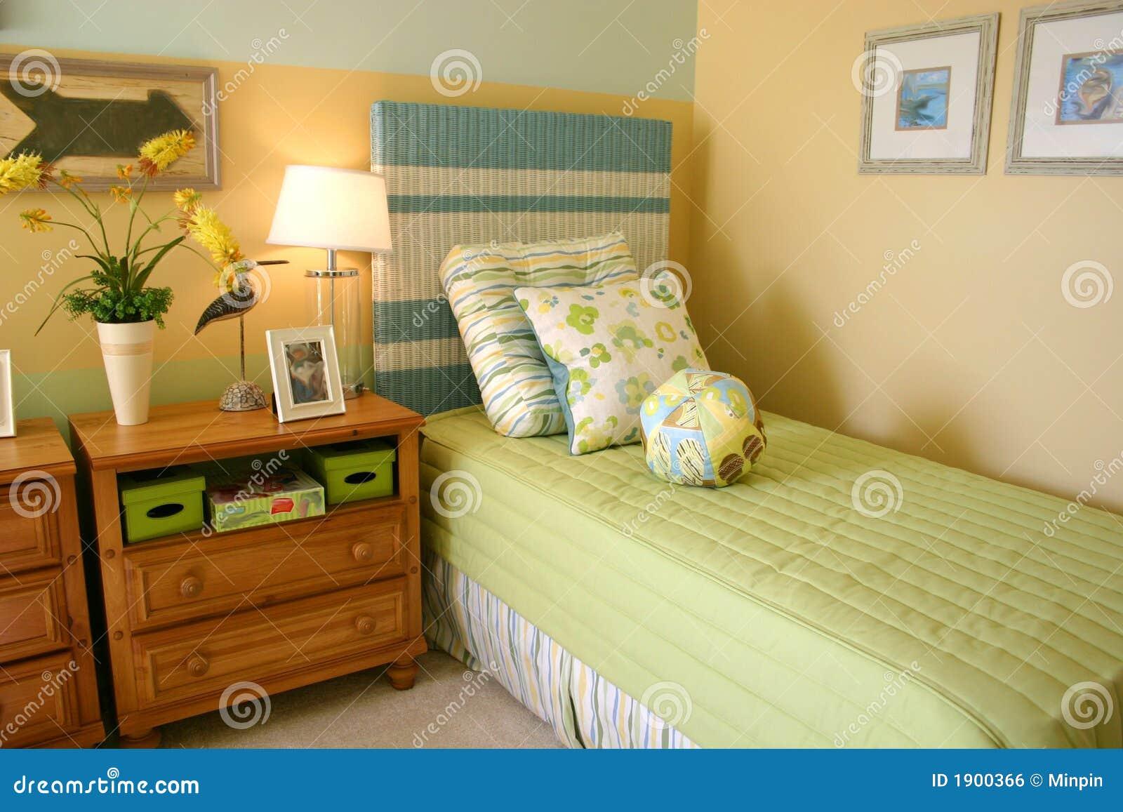 La chambre à coucher de l'enfant image libre de droits   image ...
