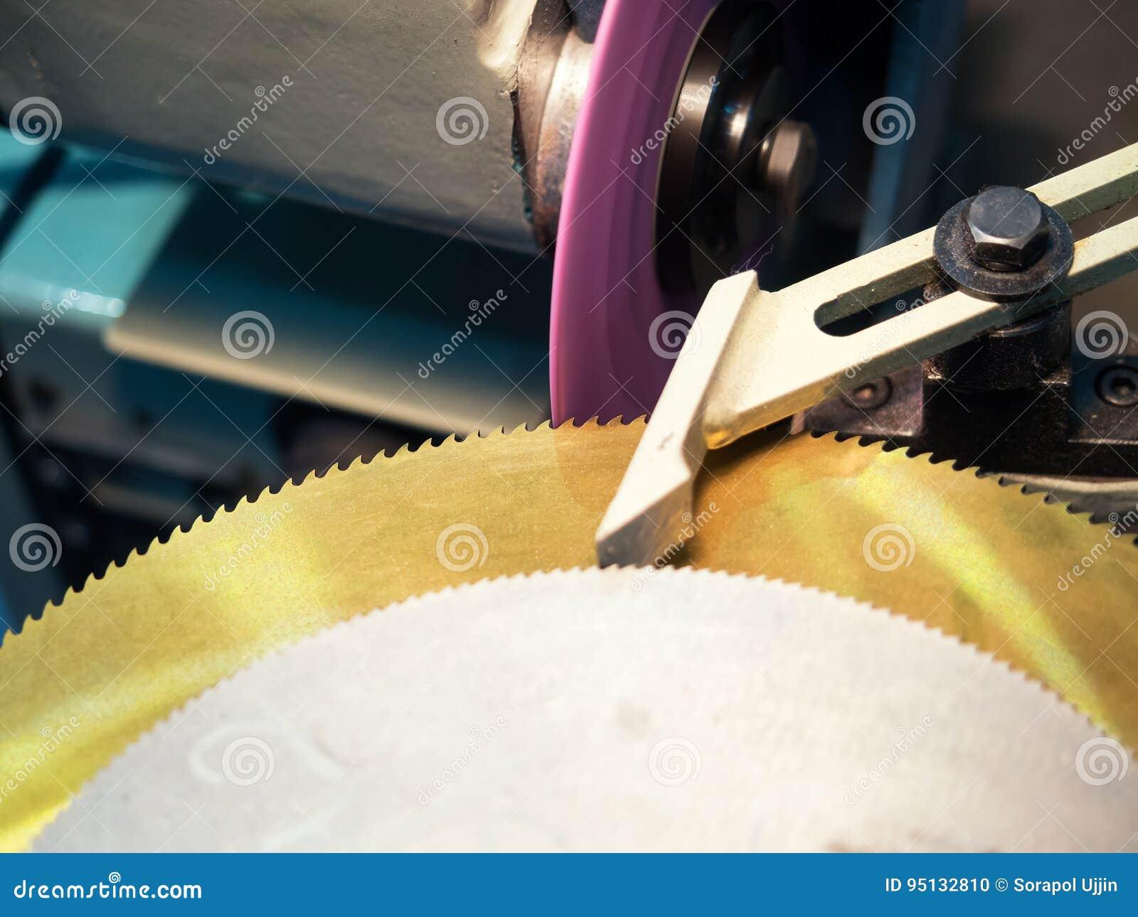 La circulaire a vu la production par le processus de meulage de haute précision