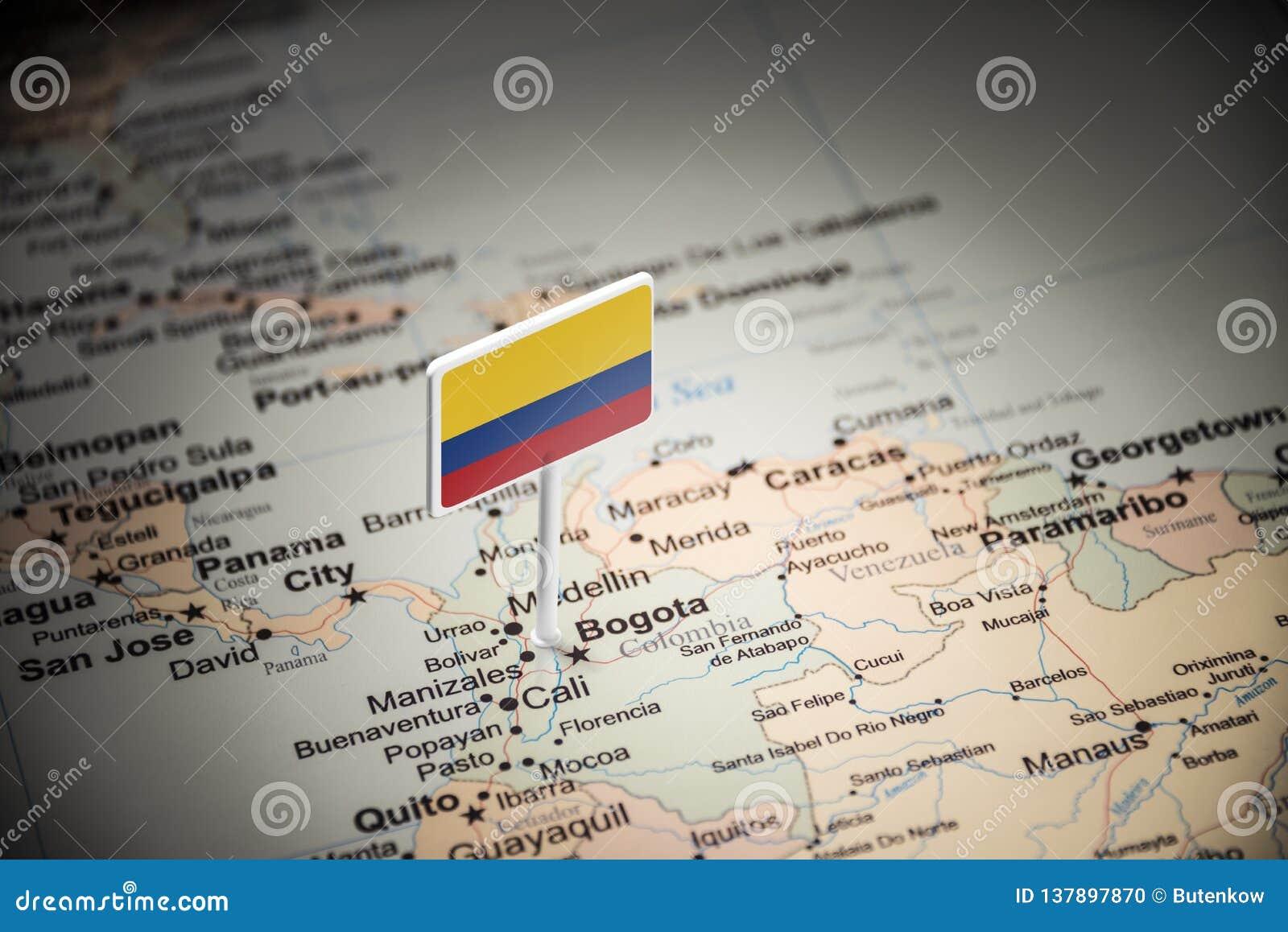 La Colombie a identifié par un drapeau sur la carte