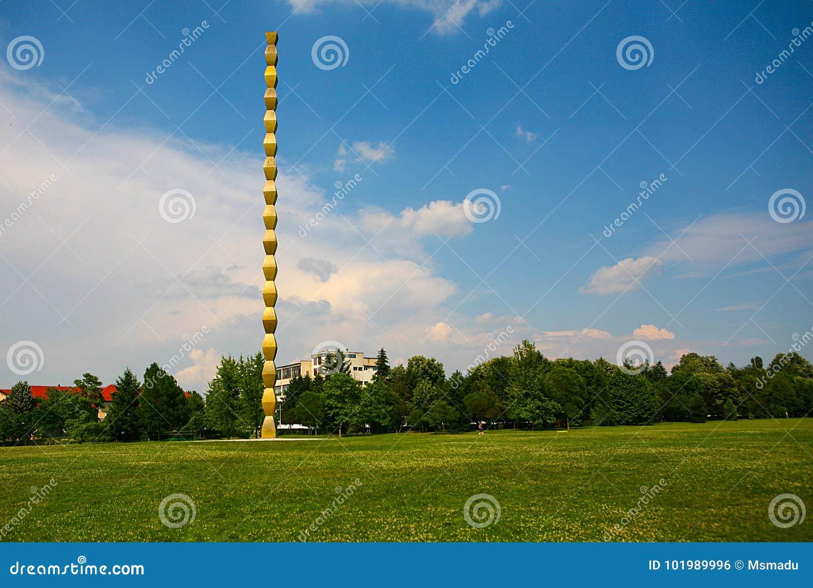 La colonna infinita