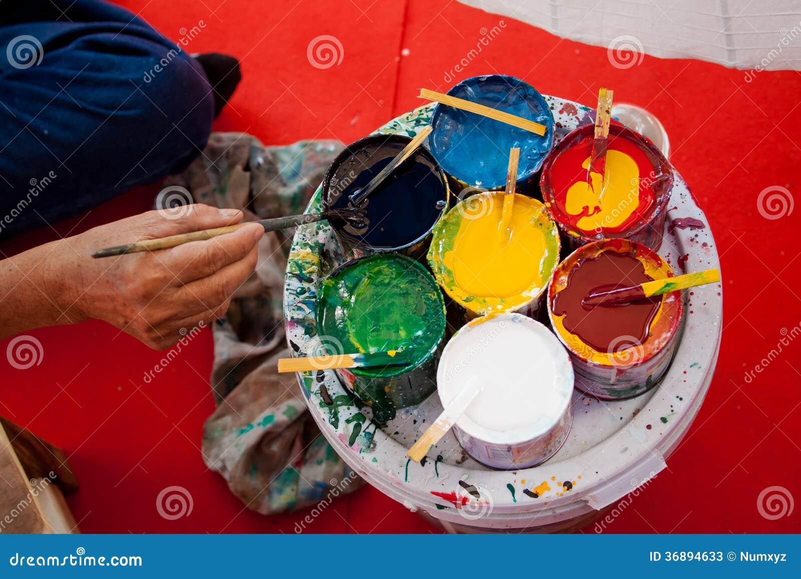 Download La Coloritura Dipinge L'ombrello Fatto Di Carta/di Tessuto. Arti E Immagine Stock - Immagine di coltura, concettuale: 36894633