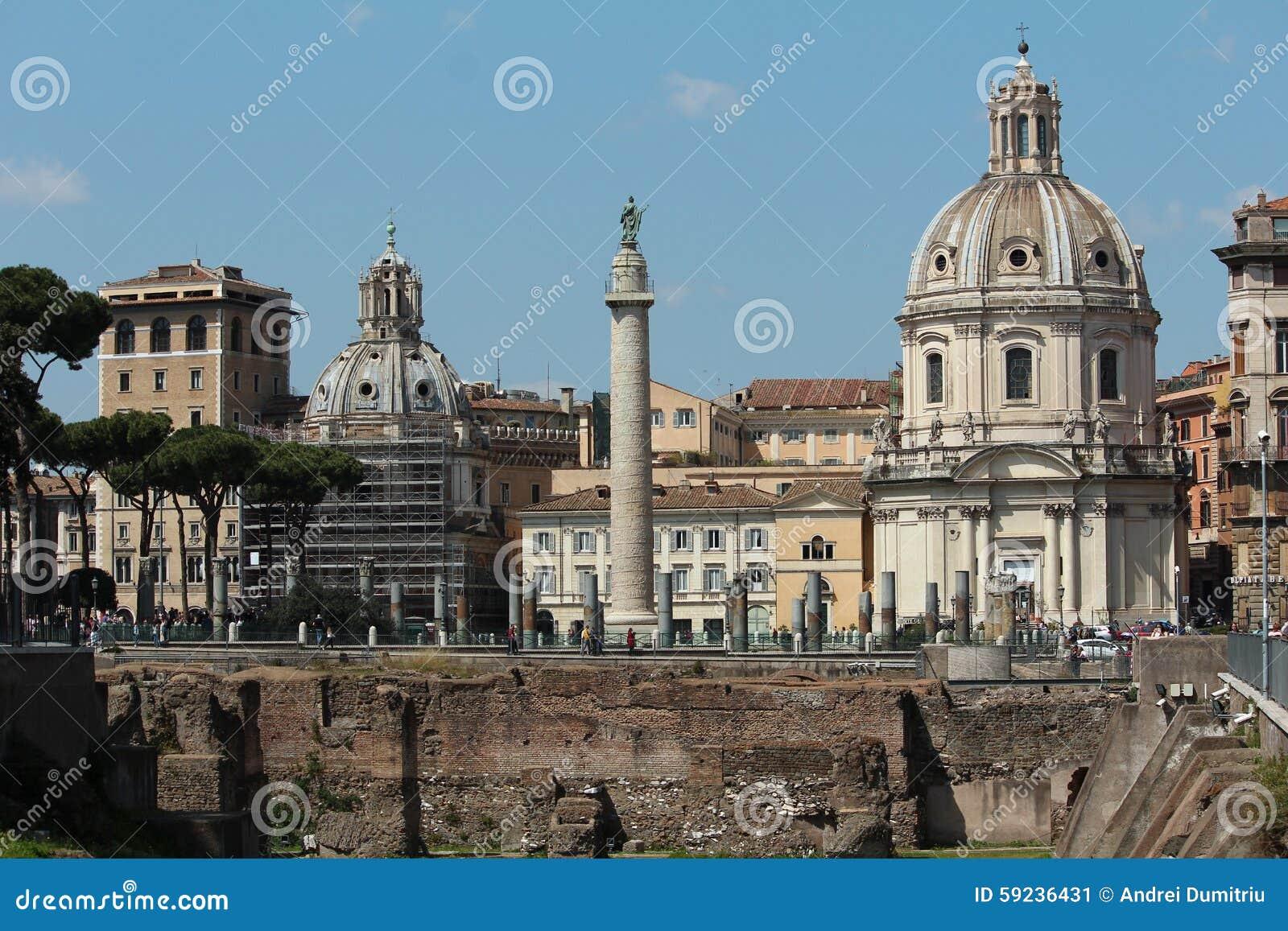 La columna de Trajan con paisaje italiano