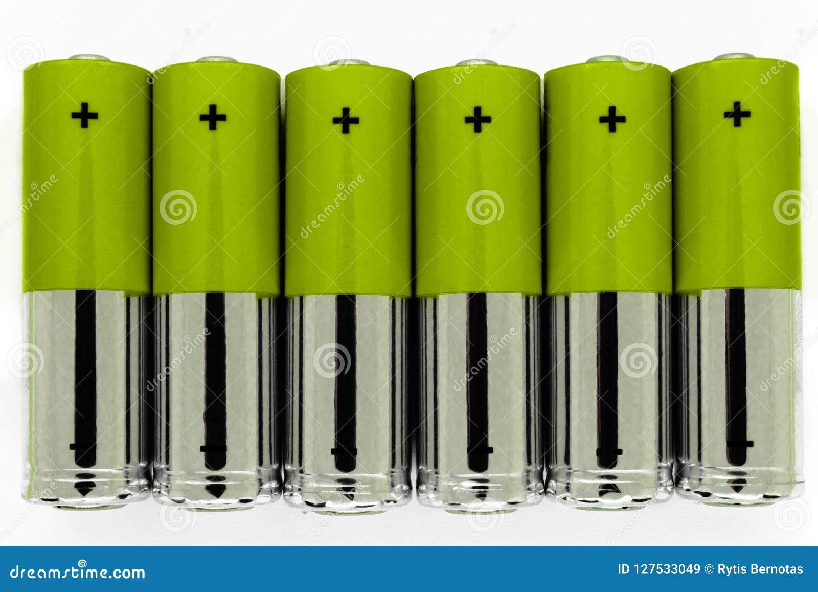 La composizione di verde e le batterie dell argento disposte nella linea e simbolizzano l energia verde, protezione dell ambiente