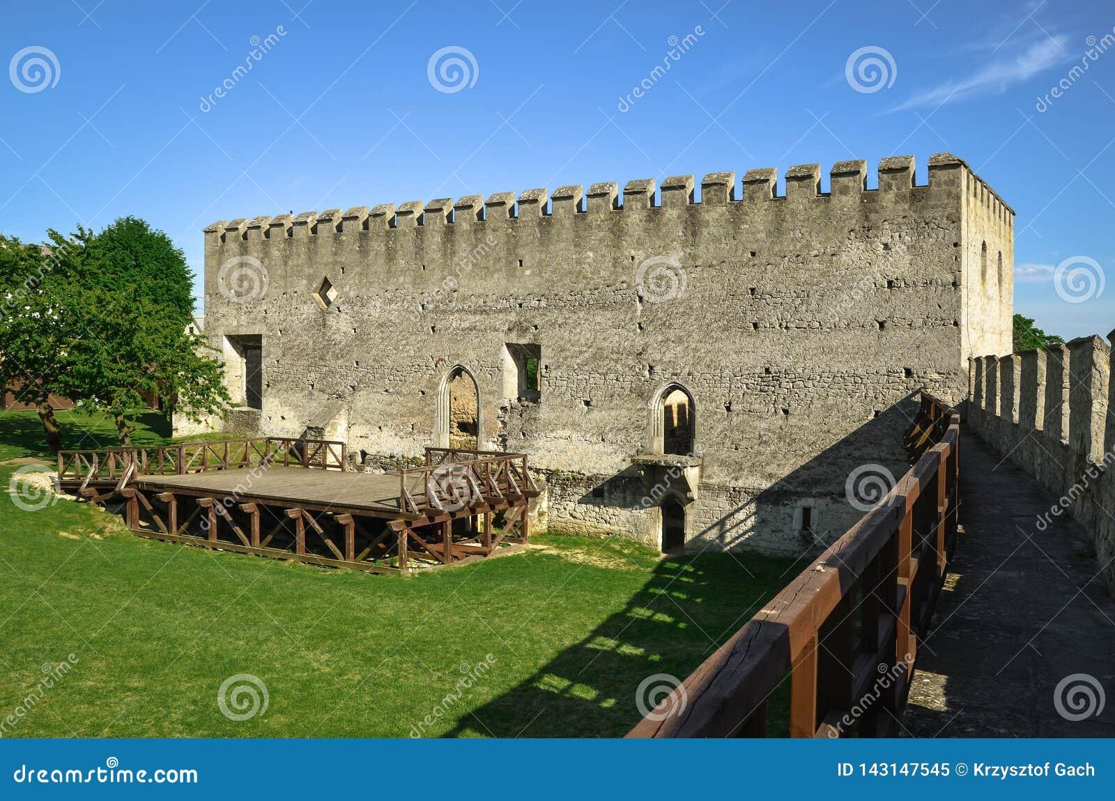 La costruzione del castello reale in Szydlow, Polonia
