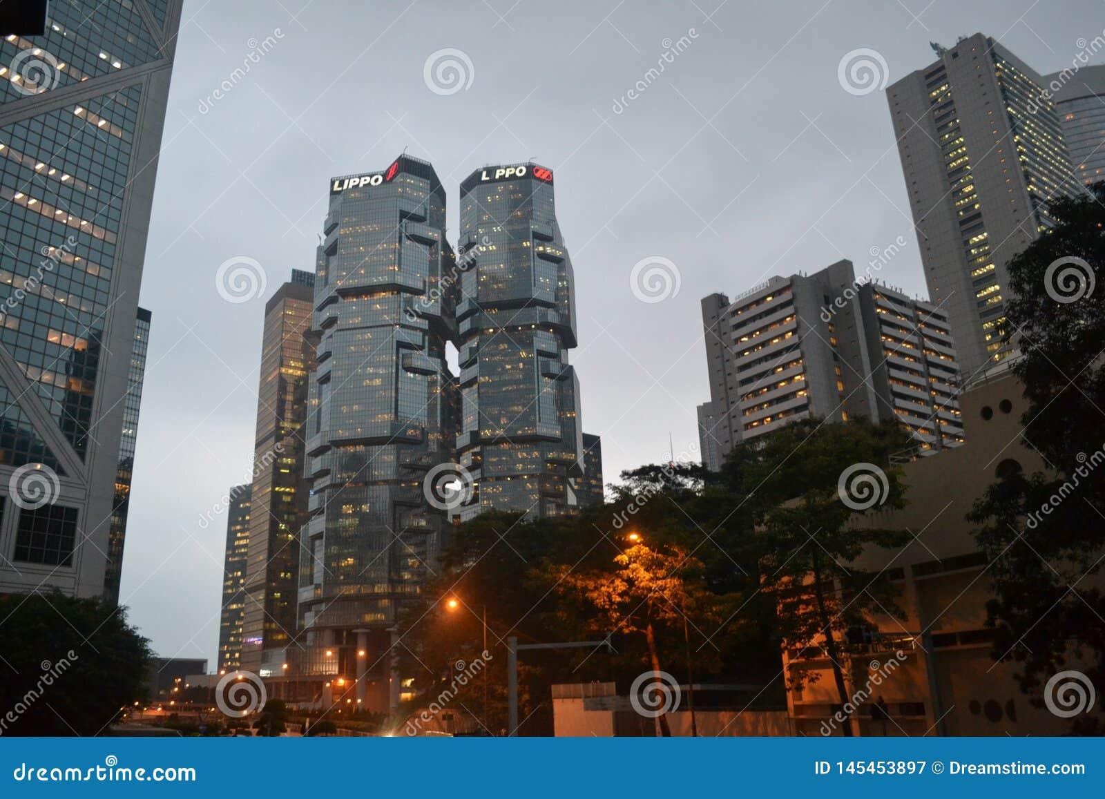 La costruzione di VCentral in Hong Kong