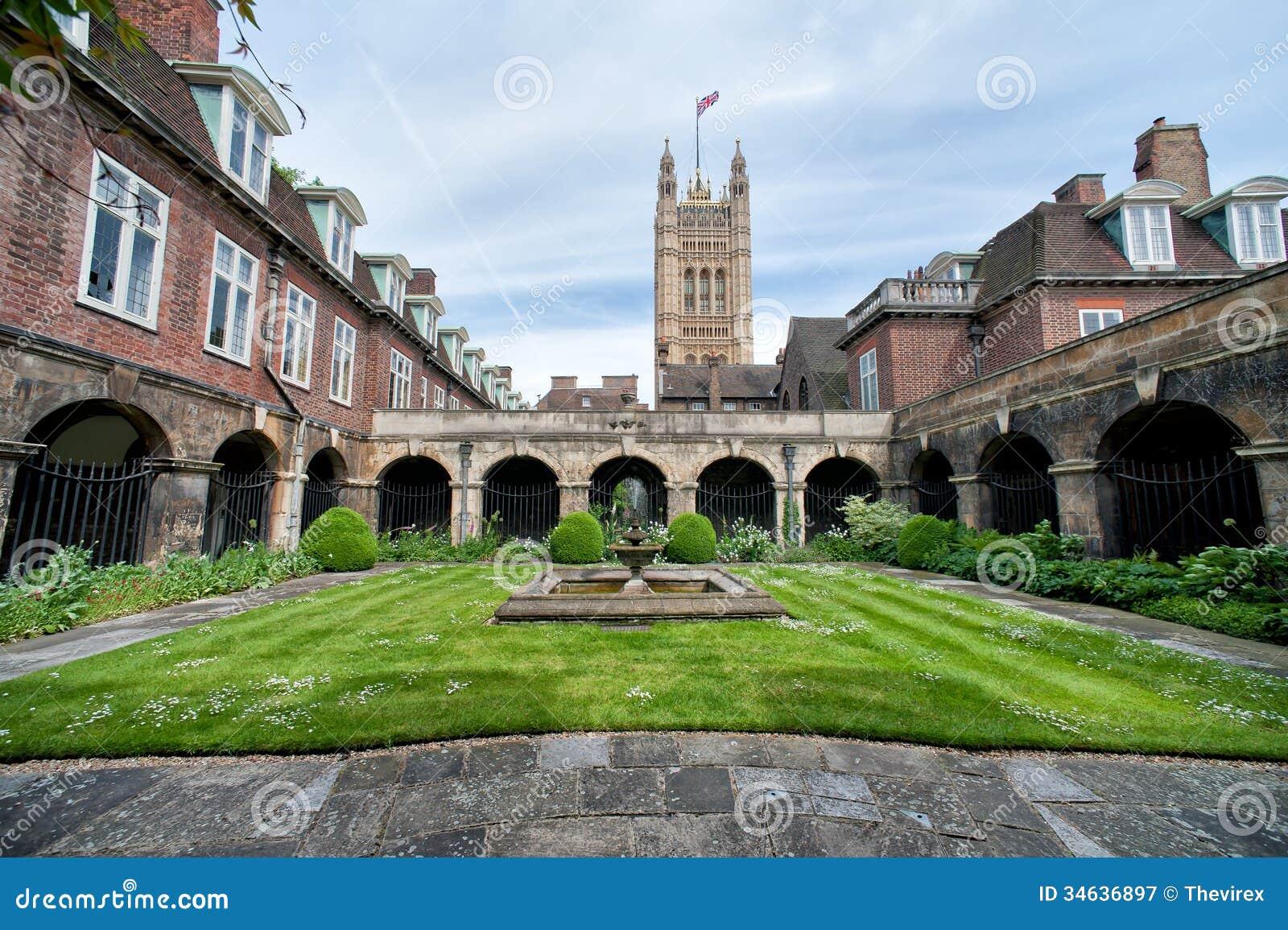 la cour l 39 int rieur de l 39 abbaye de westminster londres photographie ditorial image 34636897. Black Bedroom Furniture Sets. Home Design Ideas