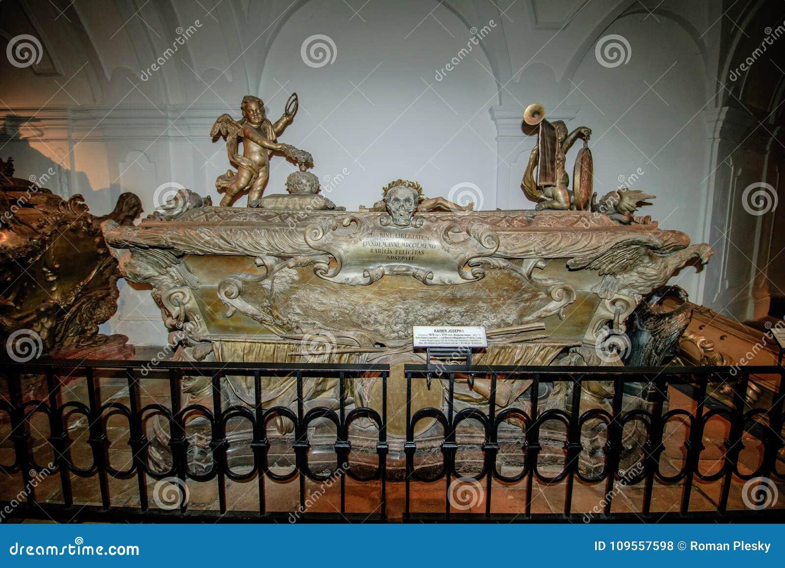 La Cripta Imperial En El Nuevo Mercado En Viena Austria Foto De