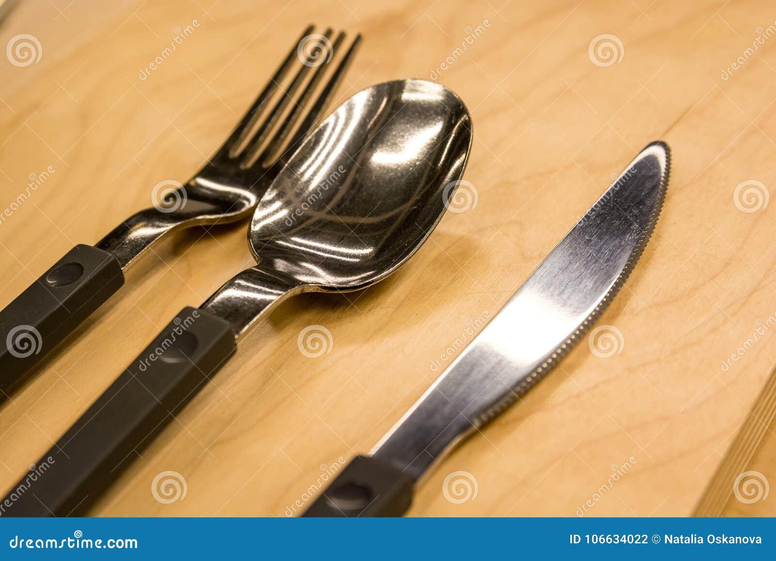 La cuchillería fijó con la fork, el cuchillo y la cuchara