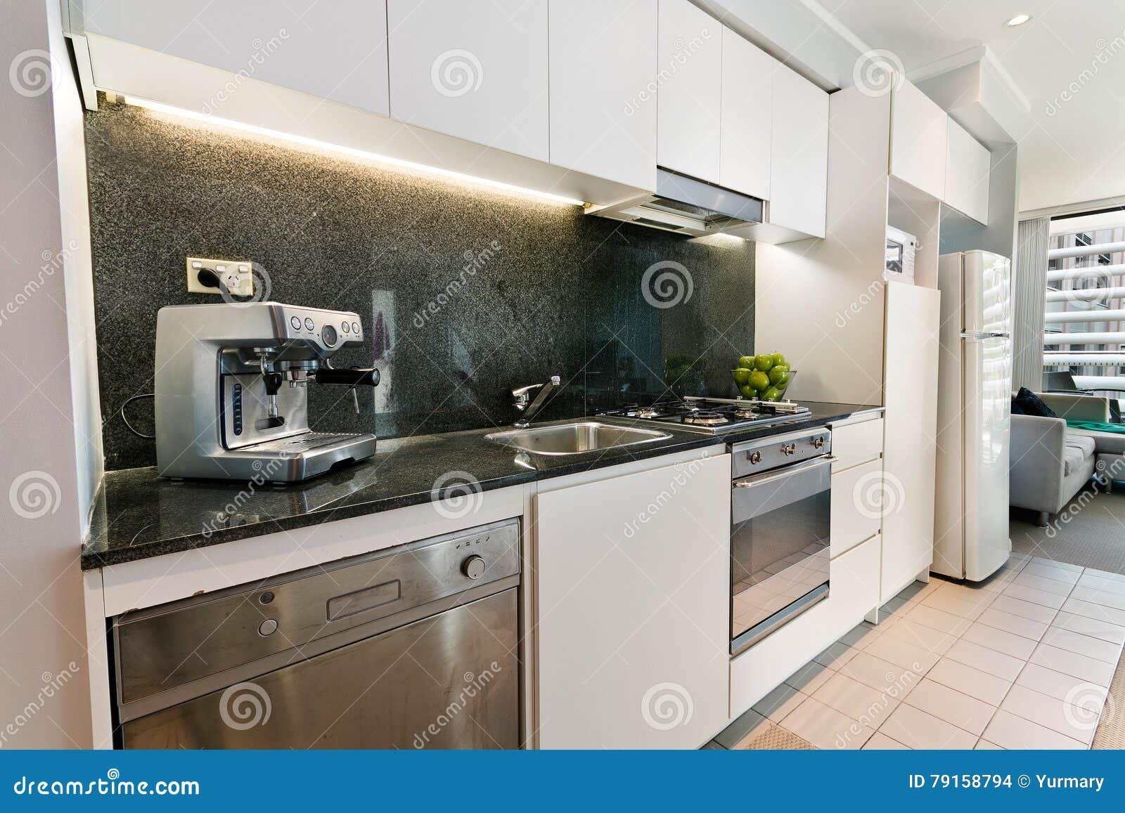 La Cucina Con Stile Moderno Fotografia Stock - Immagine di luci ...