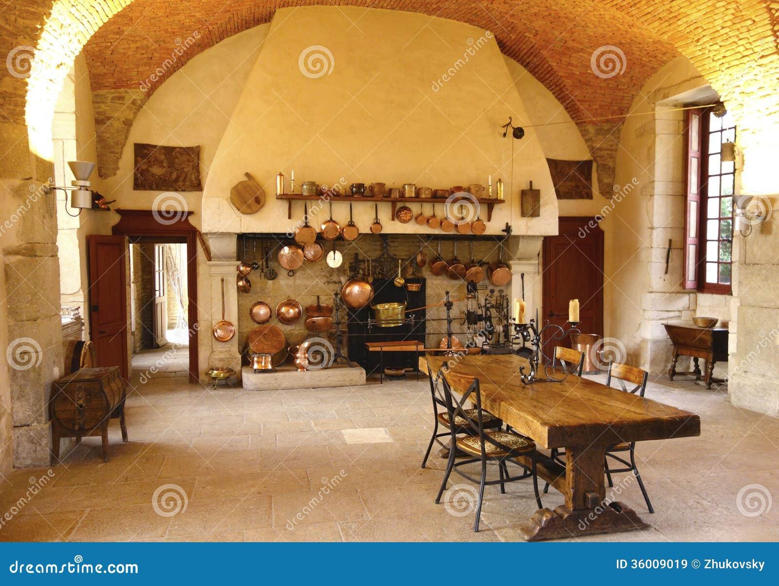 La cuisine antique à l établissement vinicole de Chateau de Pommard.