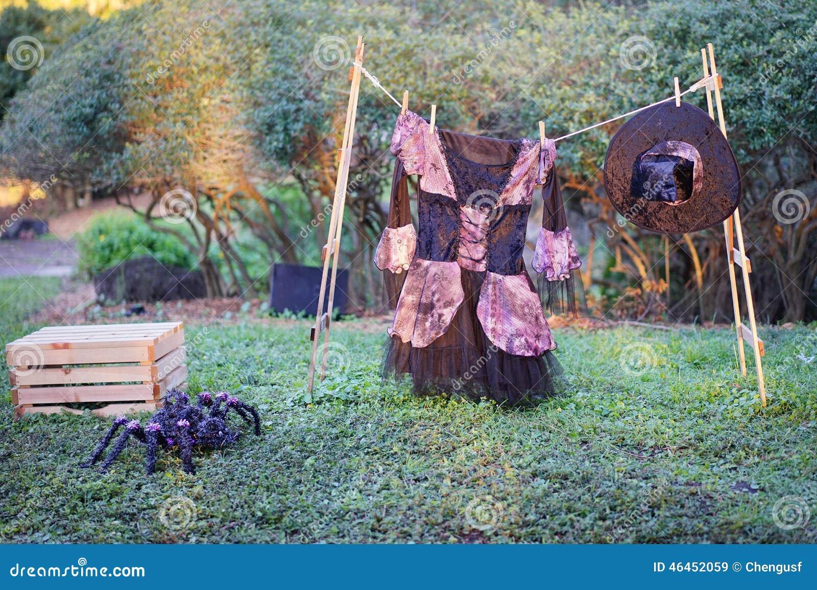 Decoration Sorciere Halloween.La Décoration De Halloween Araignée Et Sorcière Image Stock