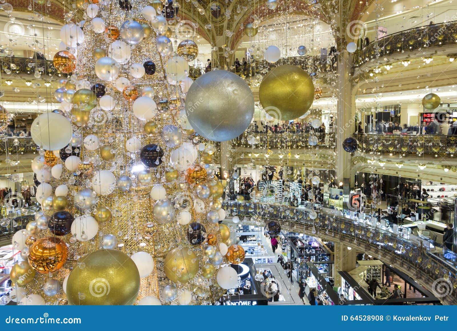 #997732 La Décoration De Noël Au Centre Commercial De Galeries  5431 décorations de noel galeries lafayette 1300x957 px @ aertt.com