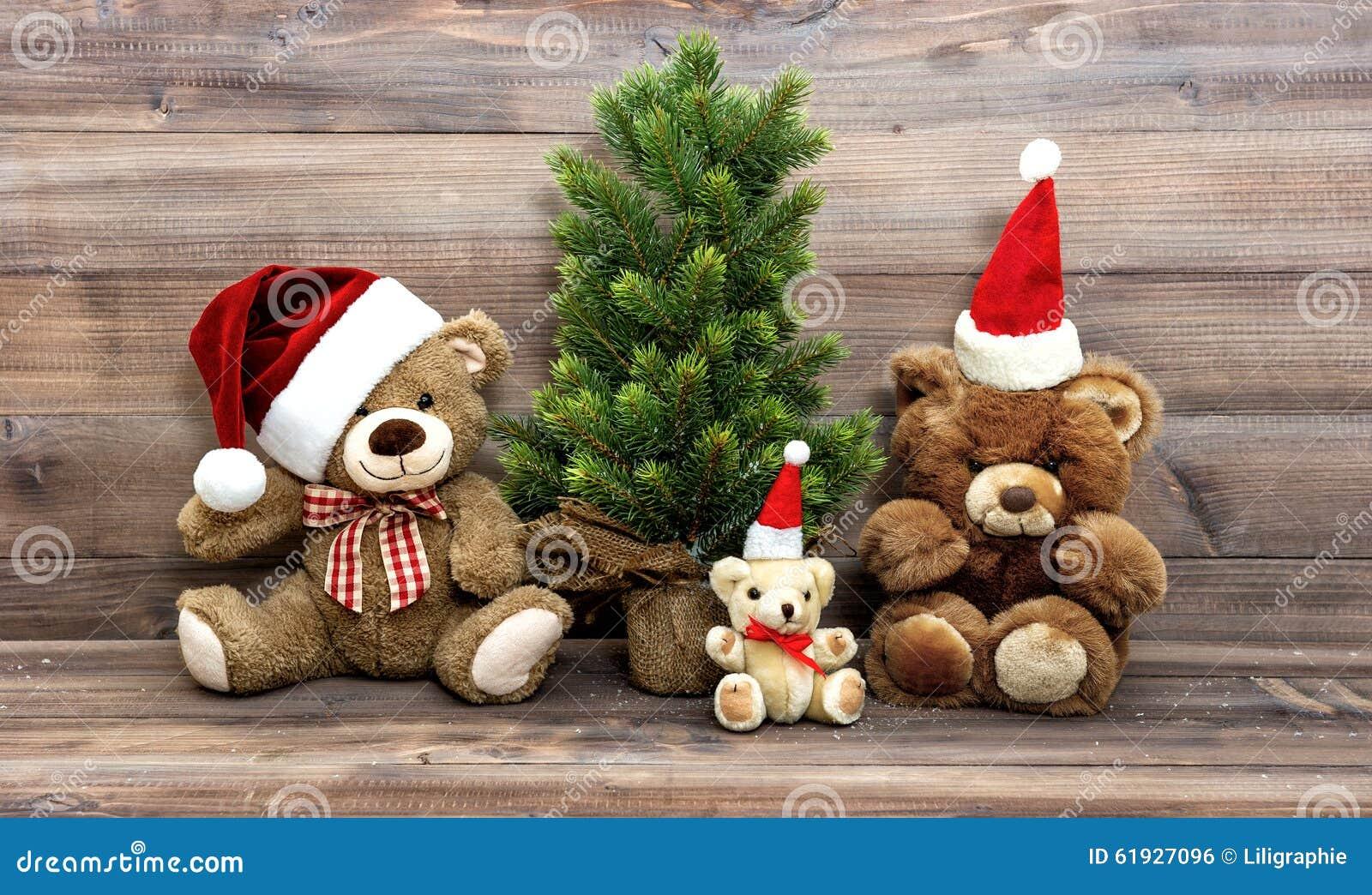 La decoración de la Navidad con el nostálgico juega a la familia de Teddy Bear