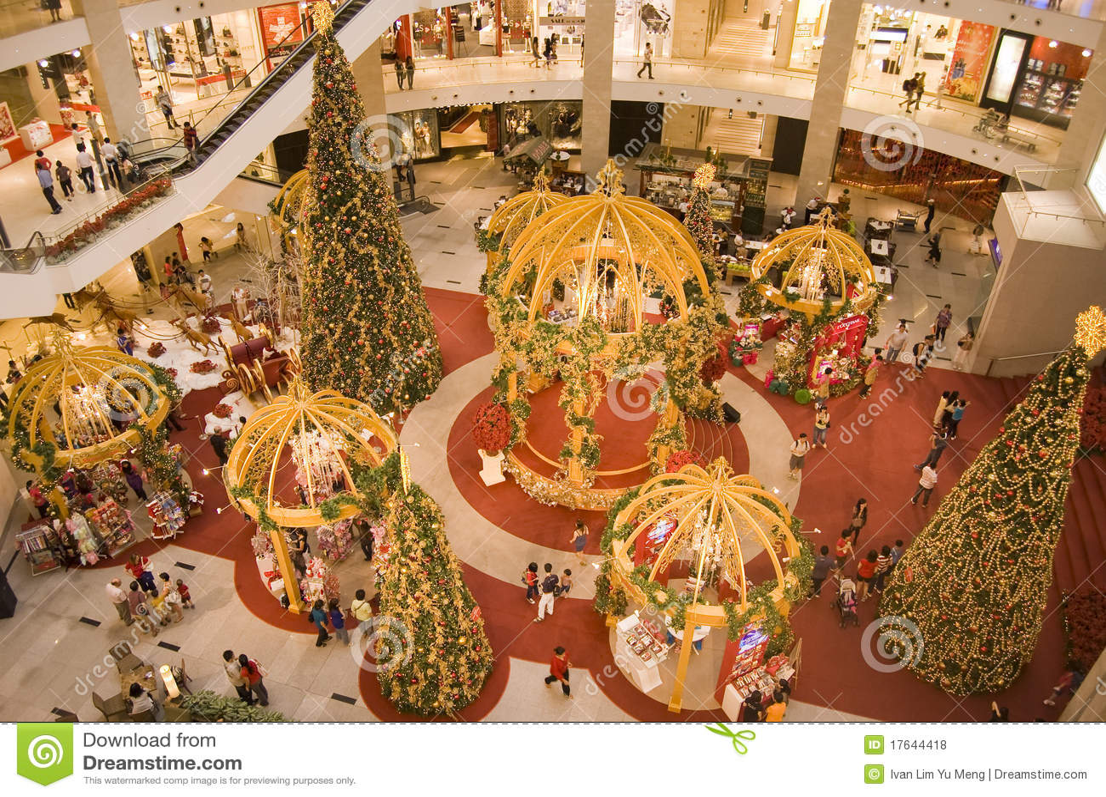 La decoraci n de la navidad en el centro comercial del - Decoracion navidena para comercios ...