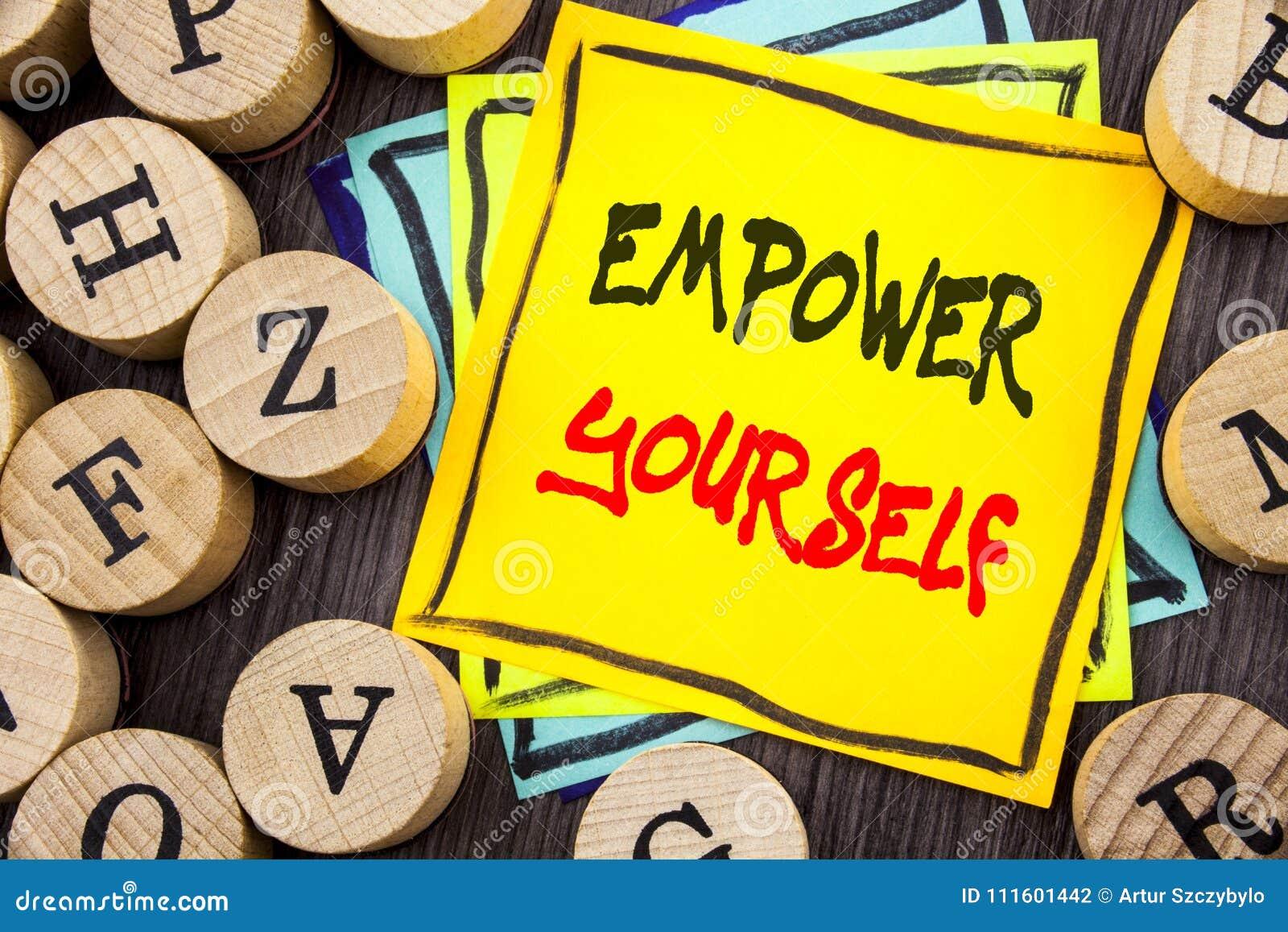 La demostración del texto del aviso de la escritura se autoriza Foto del negocio que muestra el consejo positivo de la motivación