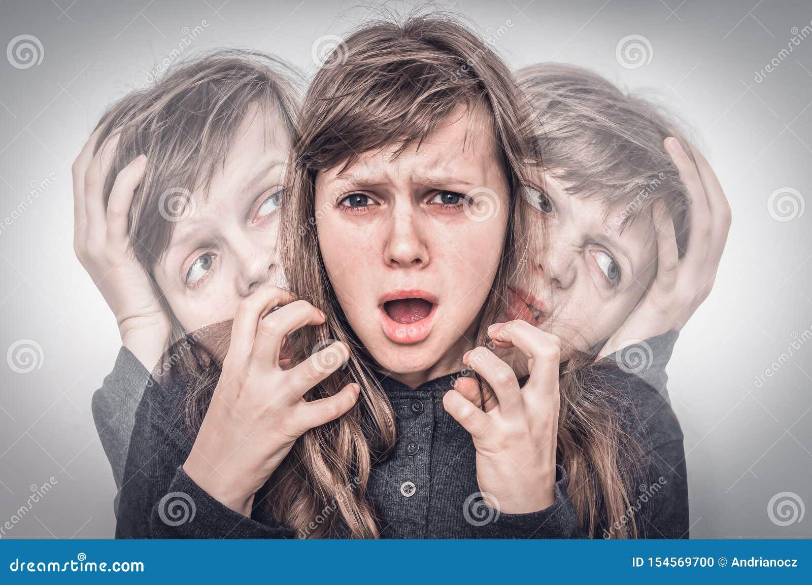La donna con sdoppiamento di personalita soffre dalla schizofrenia