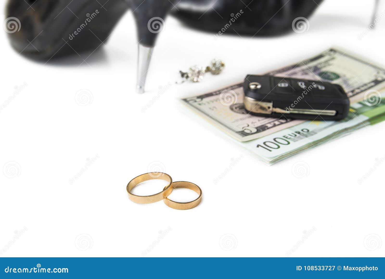 La donna dello zappatore di oro sta cercando un uomo ricco
