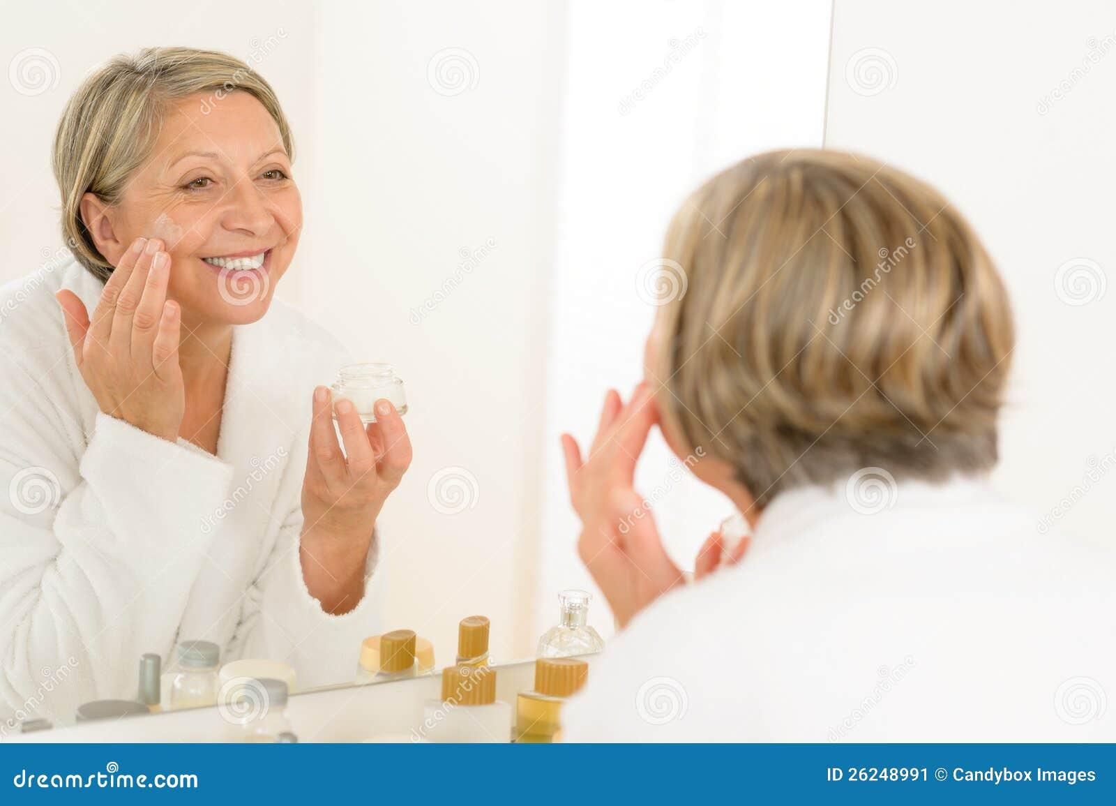 Figa di donna matura - Mature in bagno ...