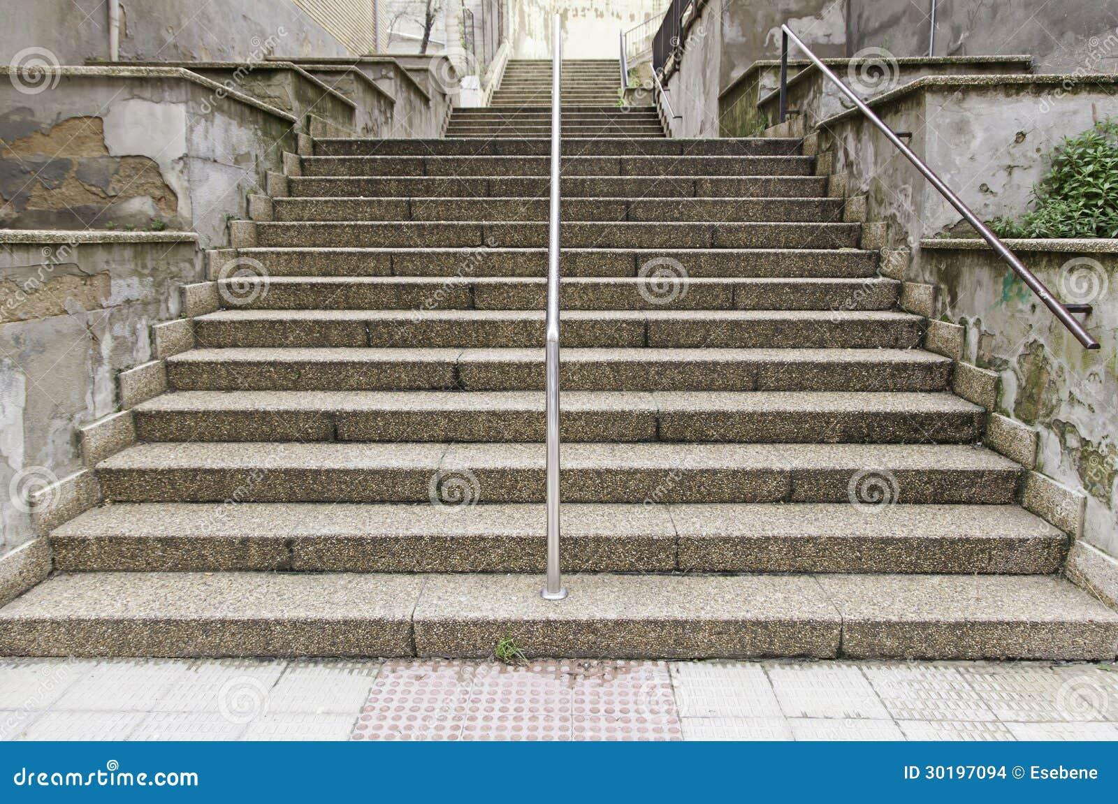 Escalera de piedra vieja imagenes de archivo imagen - Escalones de piedra ...