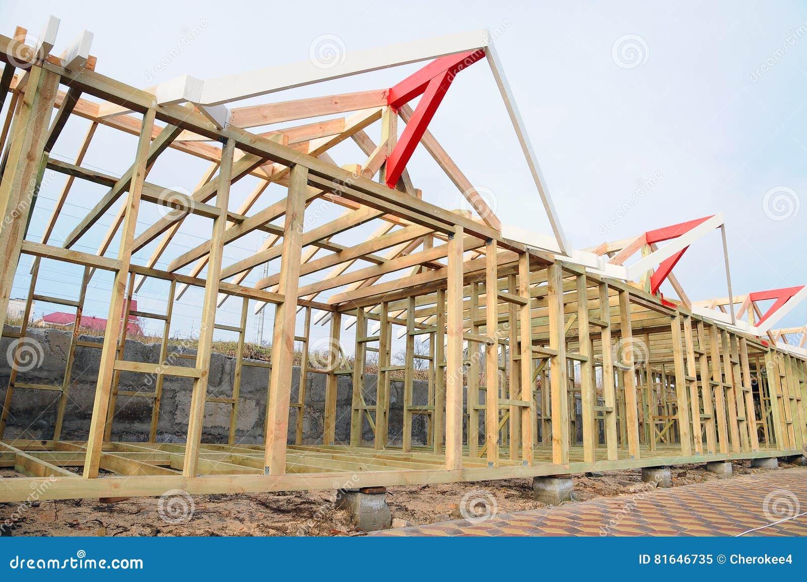 Casas con estructura de madera cheap montaje de - Estructura casa madera ...
