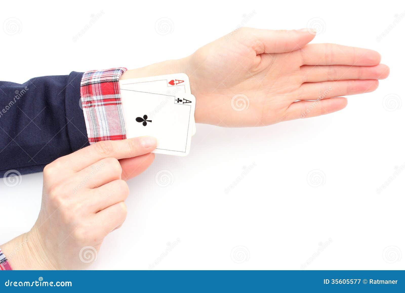La femme d affaires tire des as de sa douille. Fond blanc