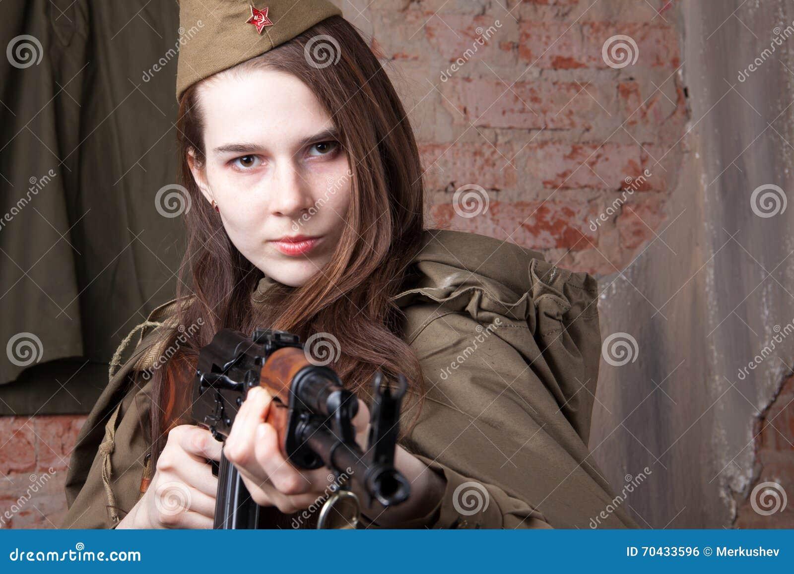 La femme Russe pendant la guerre - elena dementieva