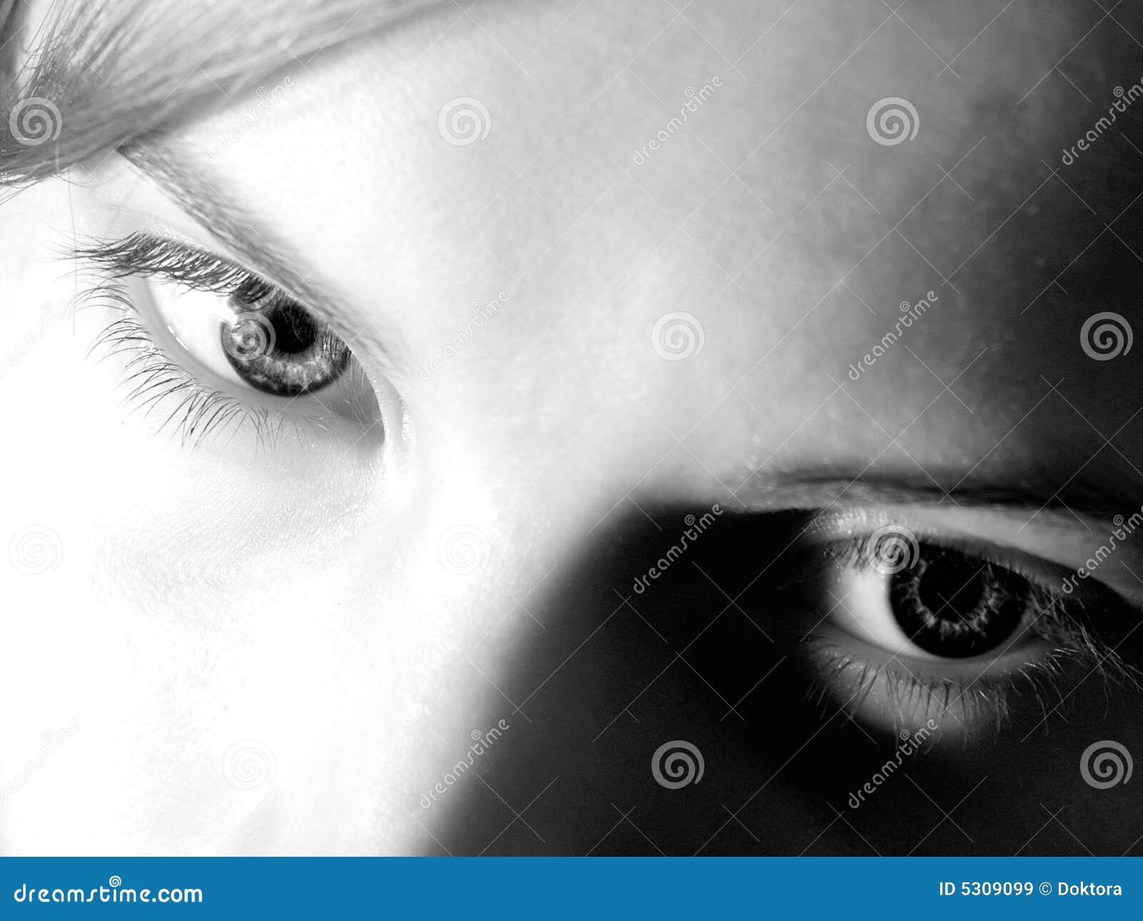 Download La femmina eyes #01 immagine stock. Immagine di youthful - 5309099