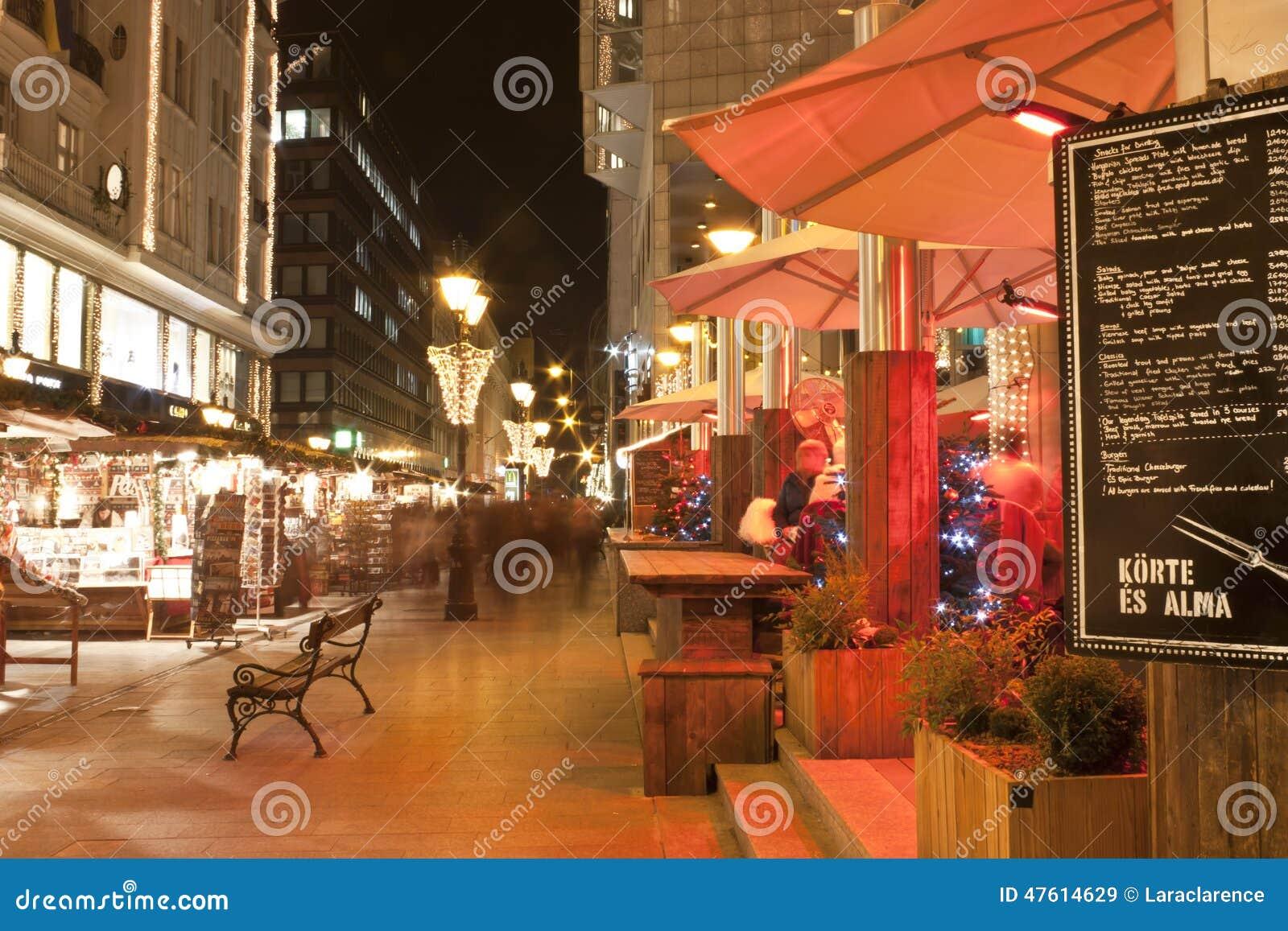 La fiera di Natale sta a Budapest